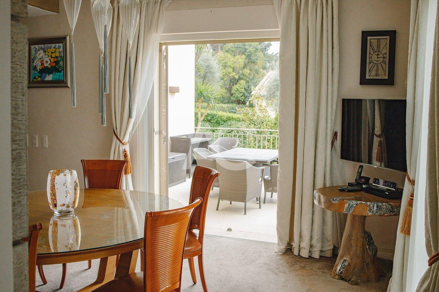 Superb villa in private domain in Cap d'Antibes