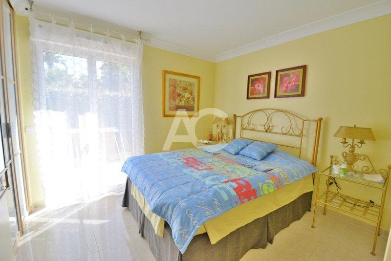 3 bedroom apartment - Garden - Swimming pool - Close to Pinède park
