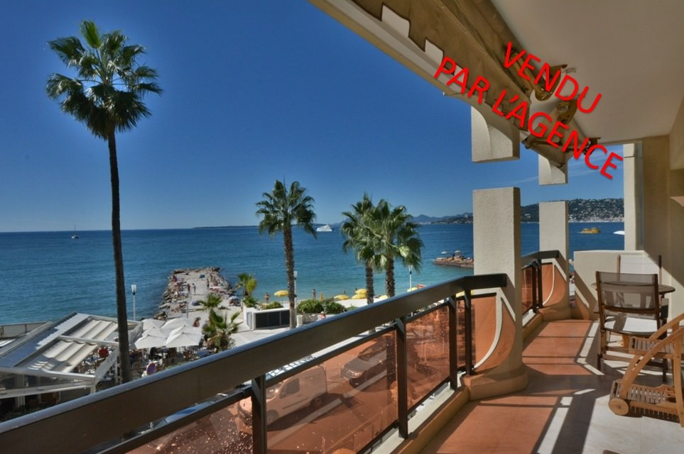 2 bedroom apartment - Juan les Pins waterfront
