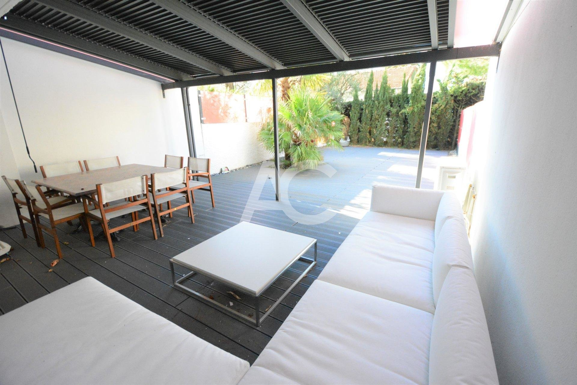 ROSTAGNE - 4 rooms 104m² - Swimming pool