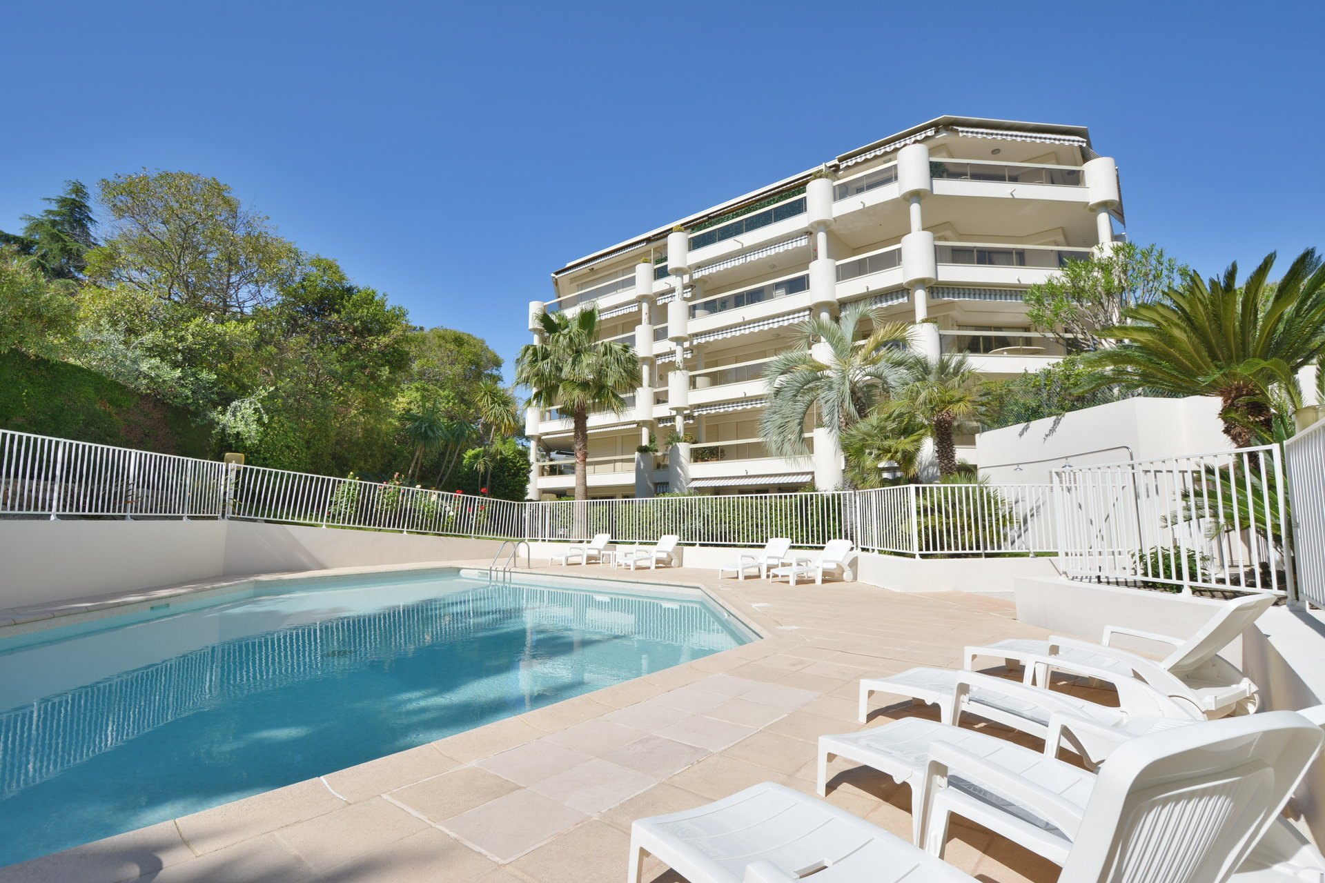 2 bedroom apartment - Recent residence - Swimming pool - Sea views