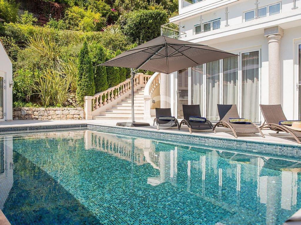 Belle villa contemporaine - Versant ouest du Cap - Proche plages