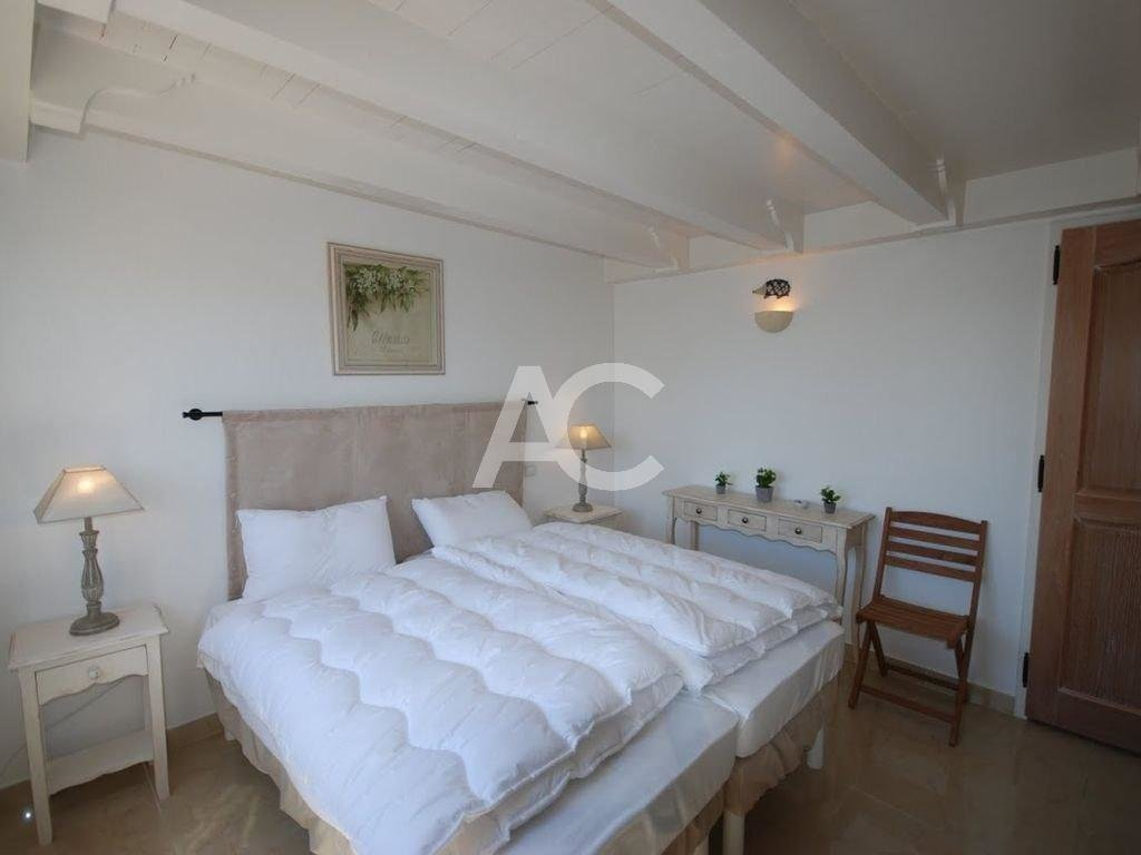 Квартира 5 комнат - Бассейн - Рядом с пляжем