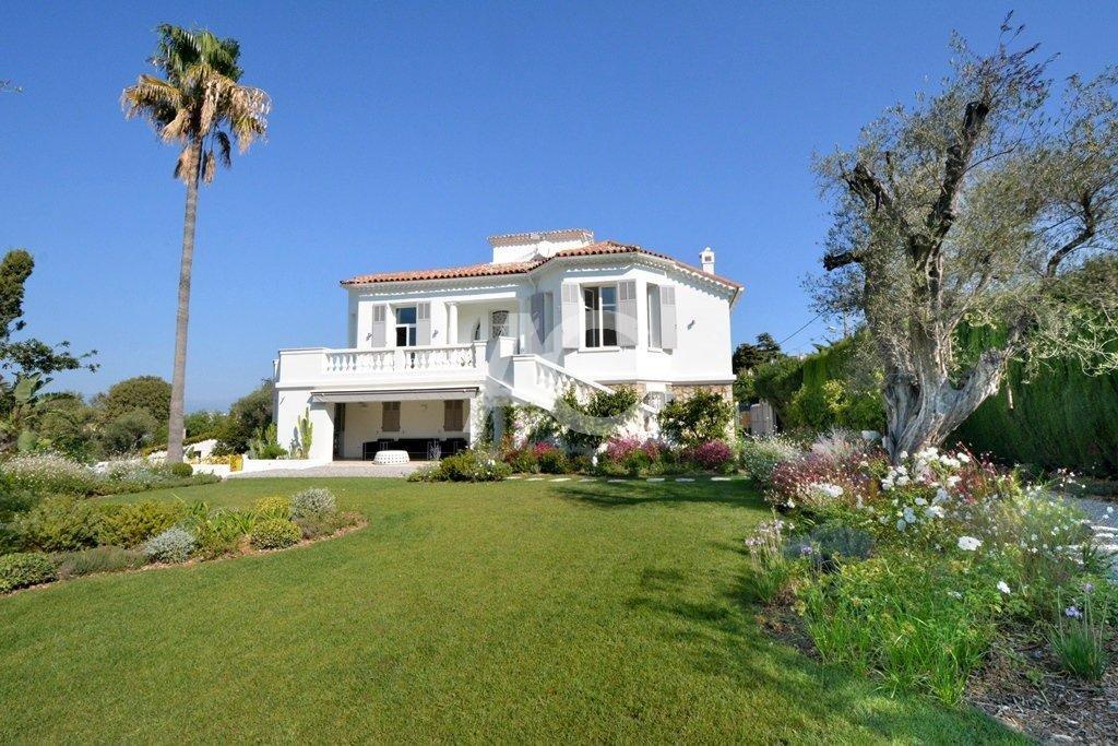 Villa Belle Époque à pied des plages