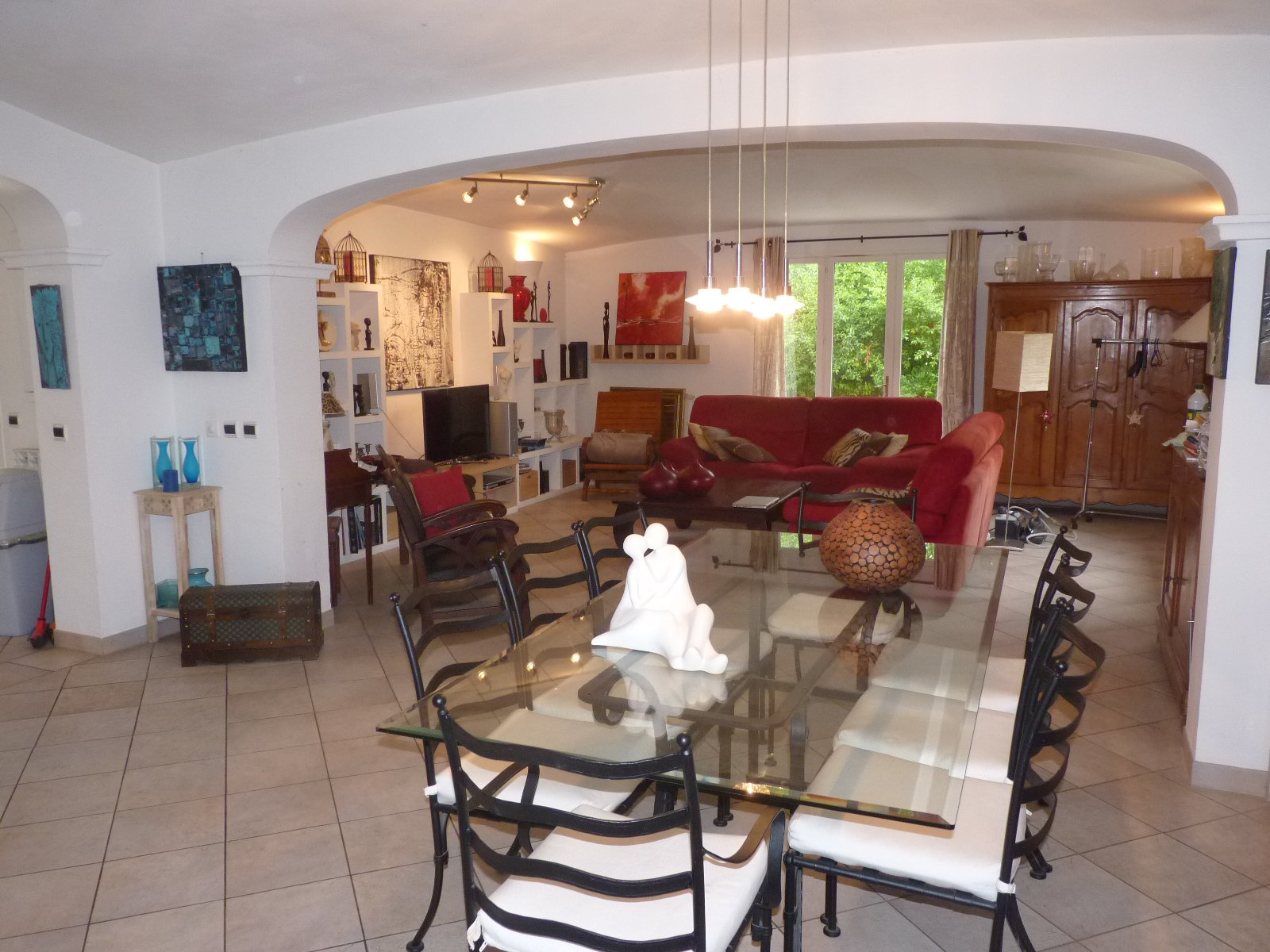 Magagnosc, belle villa avec vue degagee au calme, grand sejour lumineux ! belles prestations, 10 pieces, belle piscine sur un terrain de 2500 m2