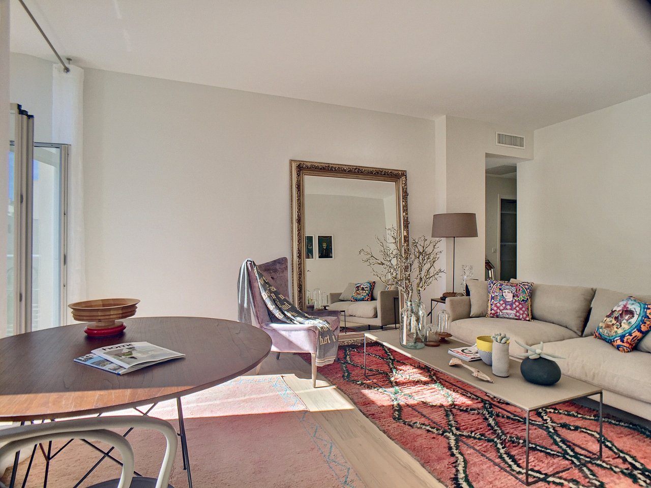 Congress rental 2 bedroom rue d'Antibes center of Cannes