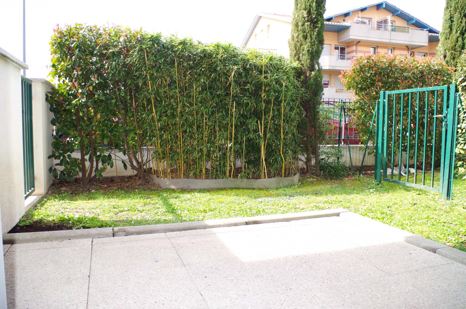 """VASTE T1 - Rez de jardin - TOULOUSE """"TROIS COCUS"""""""