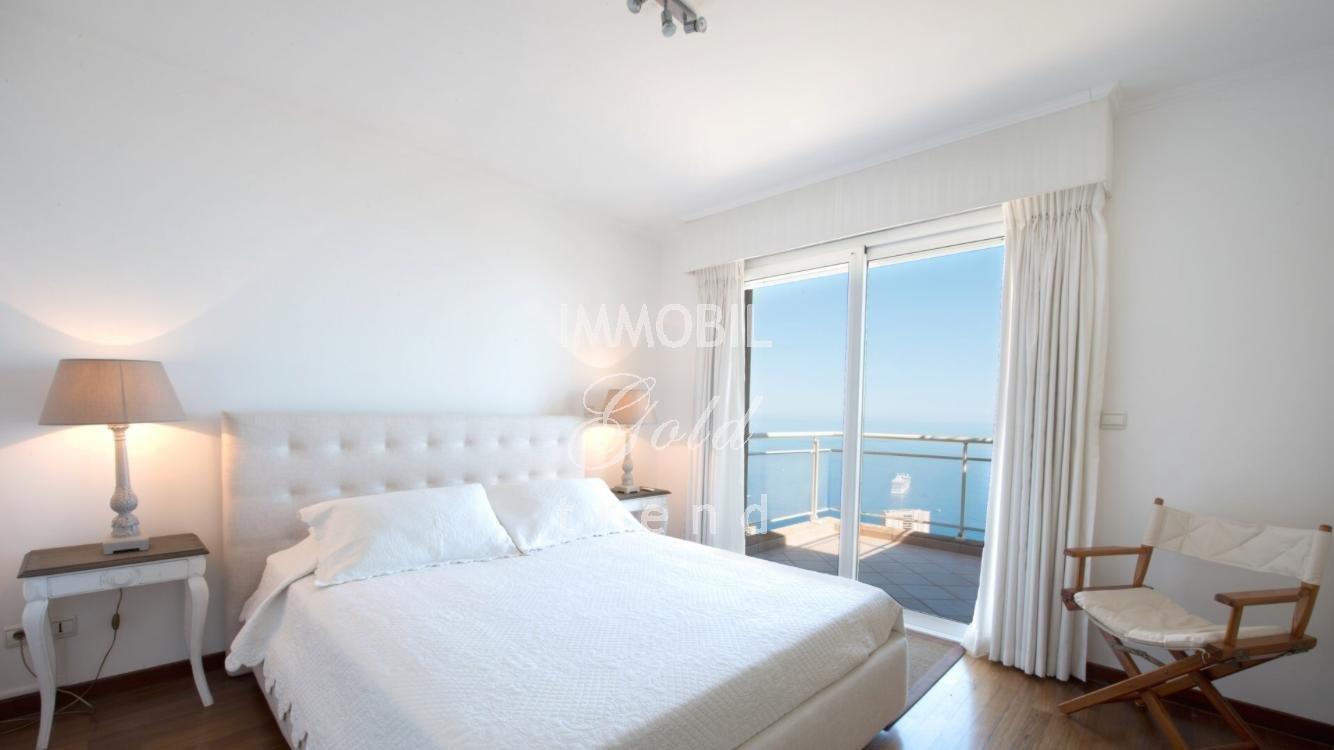Real estate Beausoleil - For sale, four bedroom apartment in a high standing building very close to Monaco