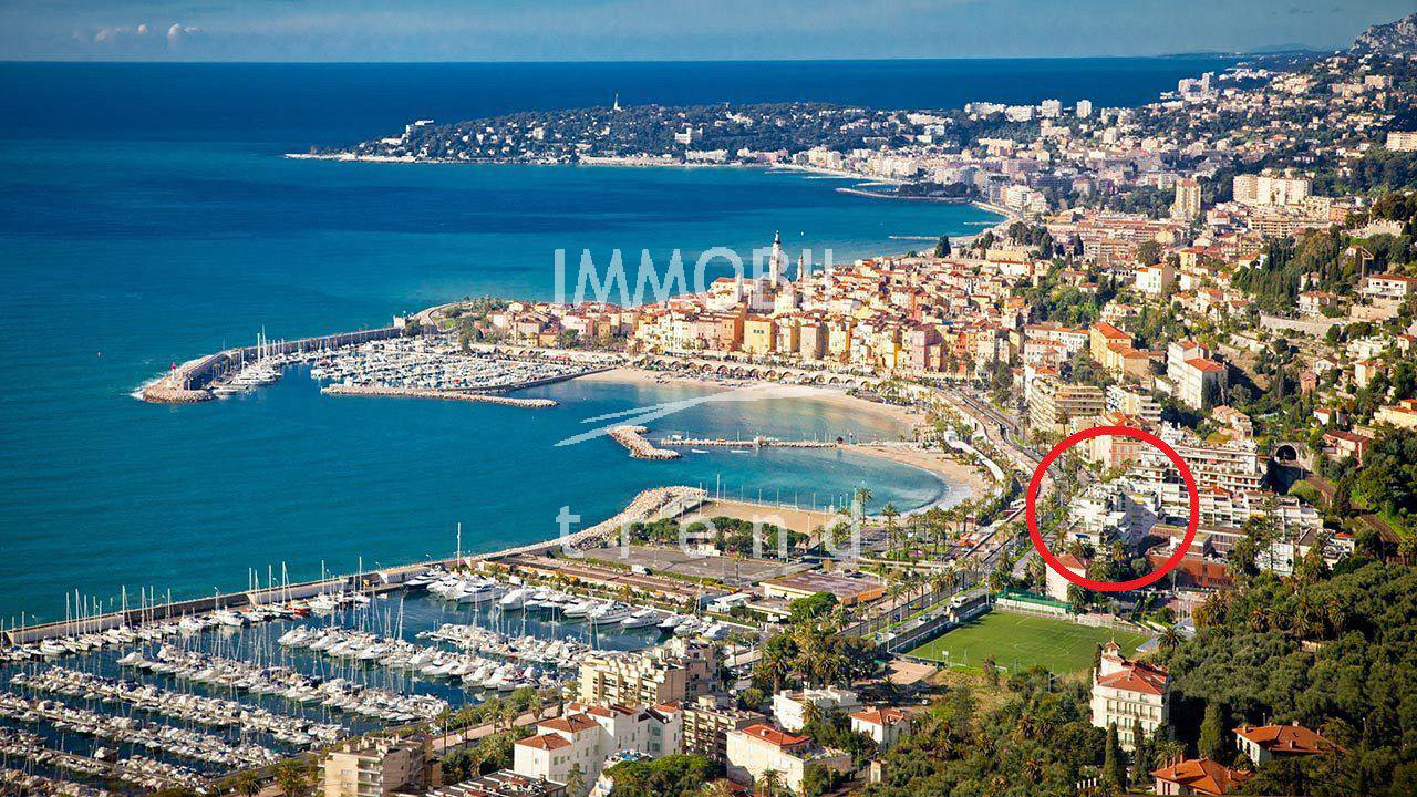 Real estate Menton - For sale, one room apartment in a good standing, seafront building