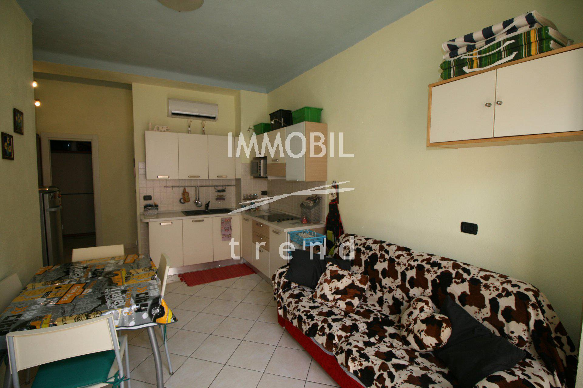 SOLE AGENT! MENTON CENTRE -  Studio with sleeping area for sale