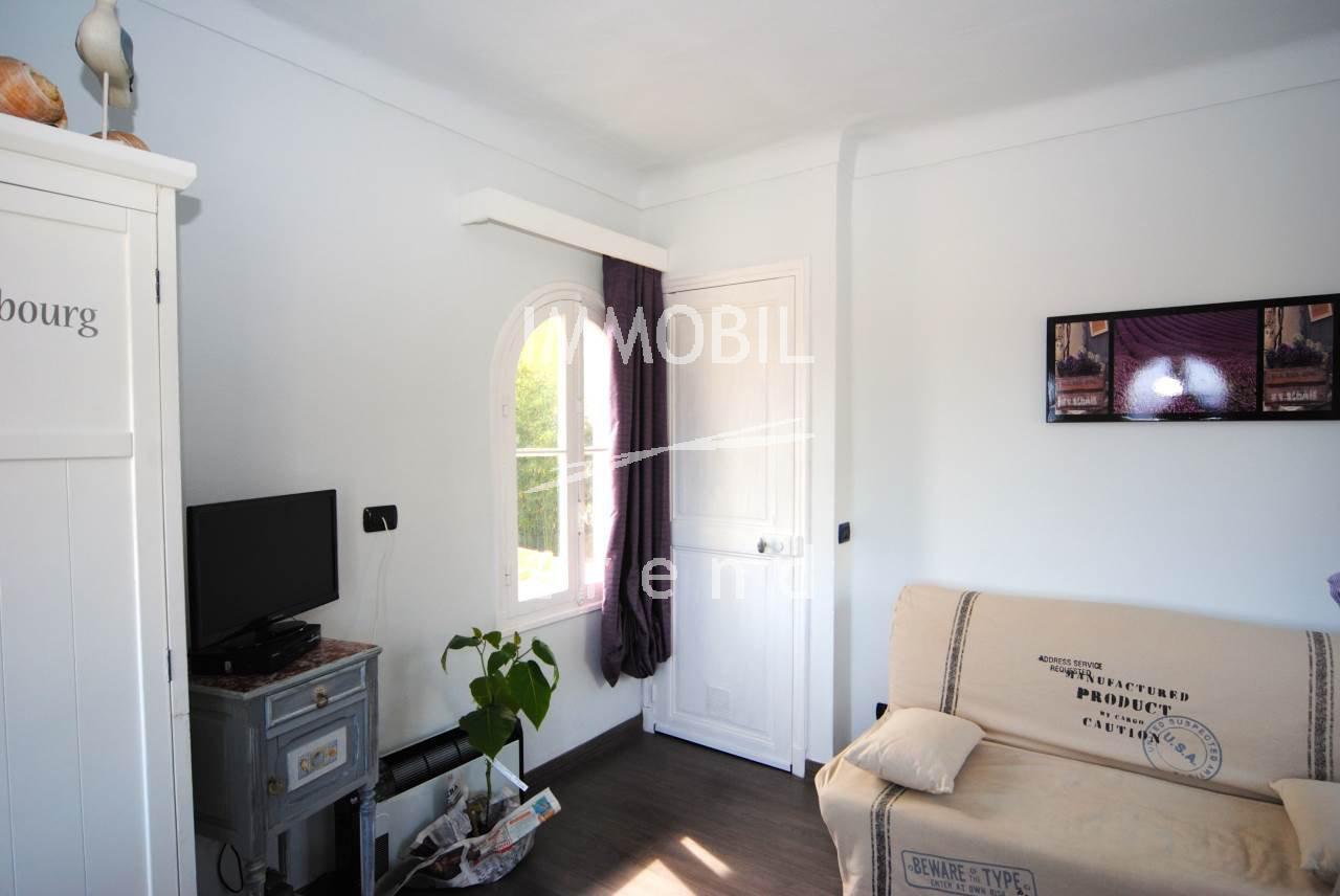MENTON TERRES CHAUDES - charmant appartement duplex avec vue panoramique mer/ville.