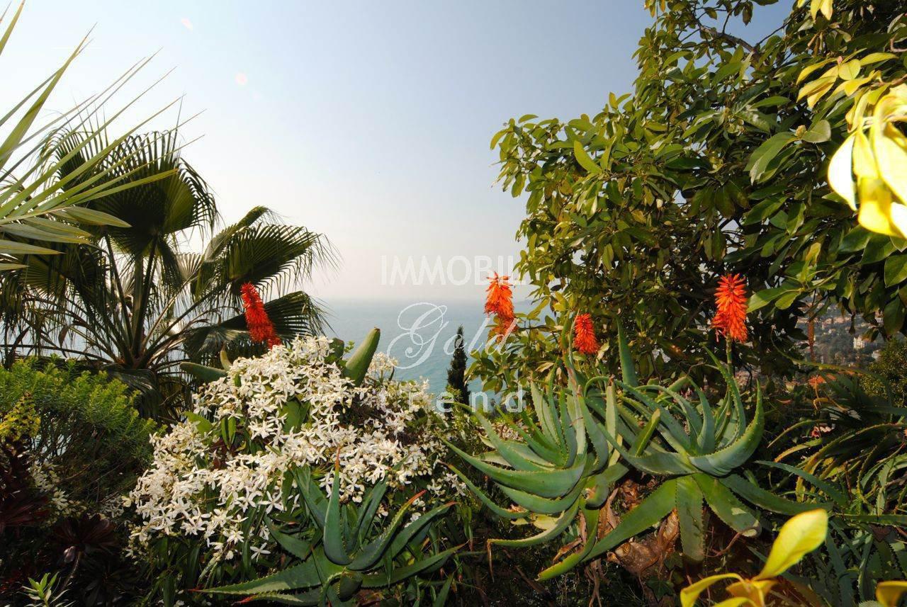 Villa Menton Garavan with awesome sea view