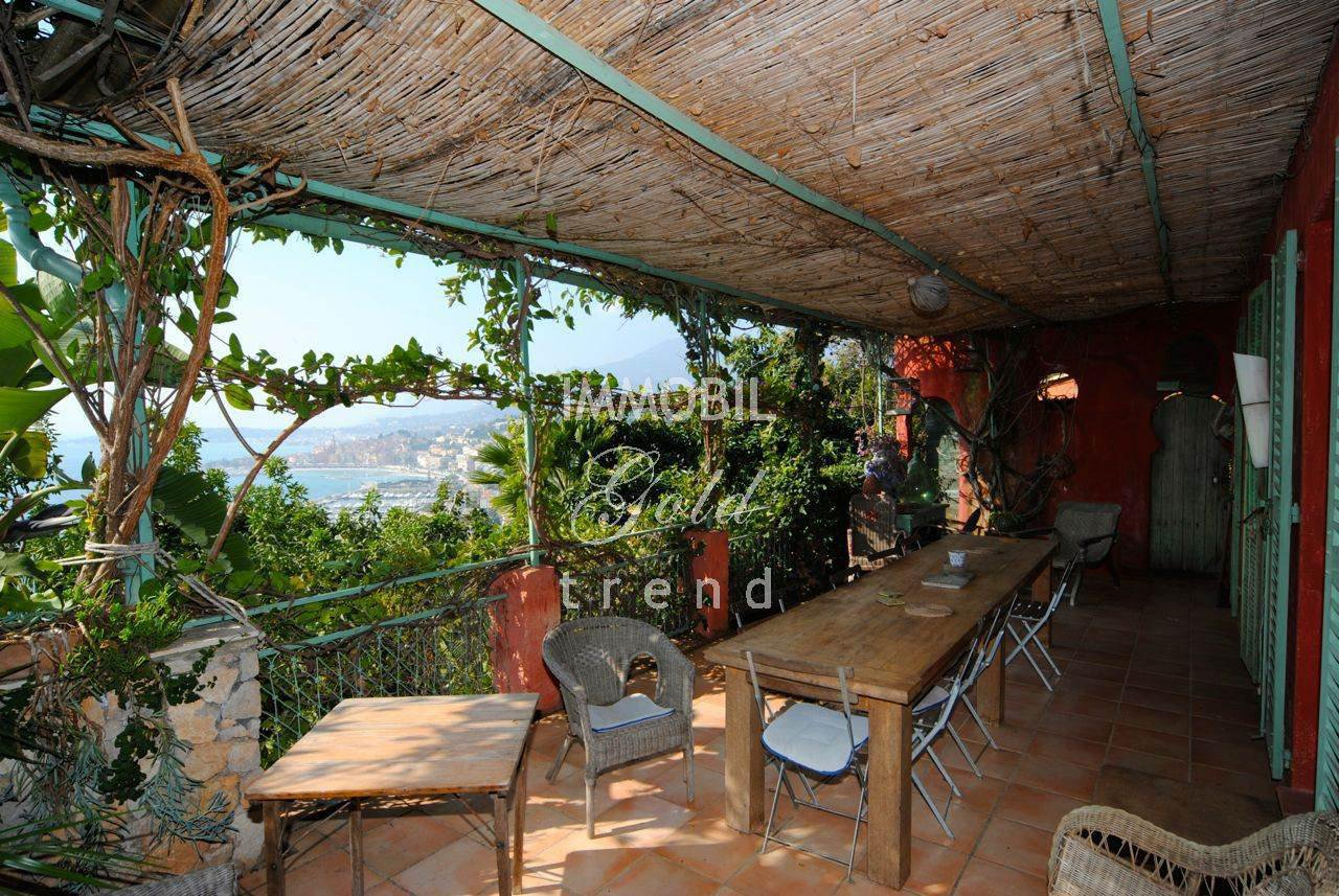Villa Menton Garavan with awesome sea view