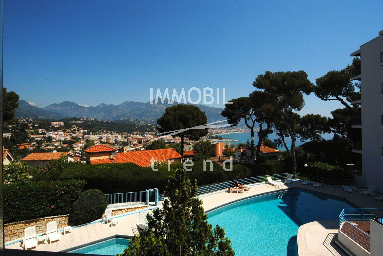 ROQUEBRUNE CAP MARTIN apartment with panoramic sea view