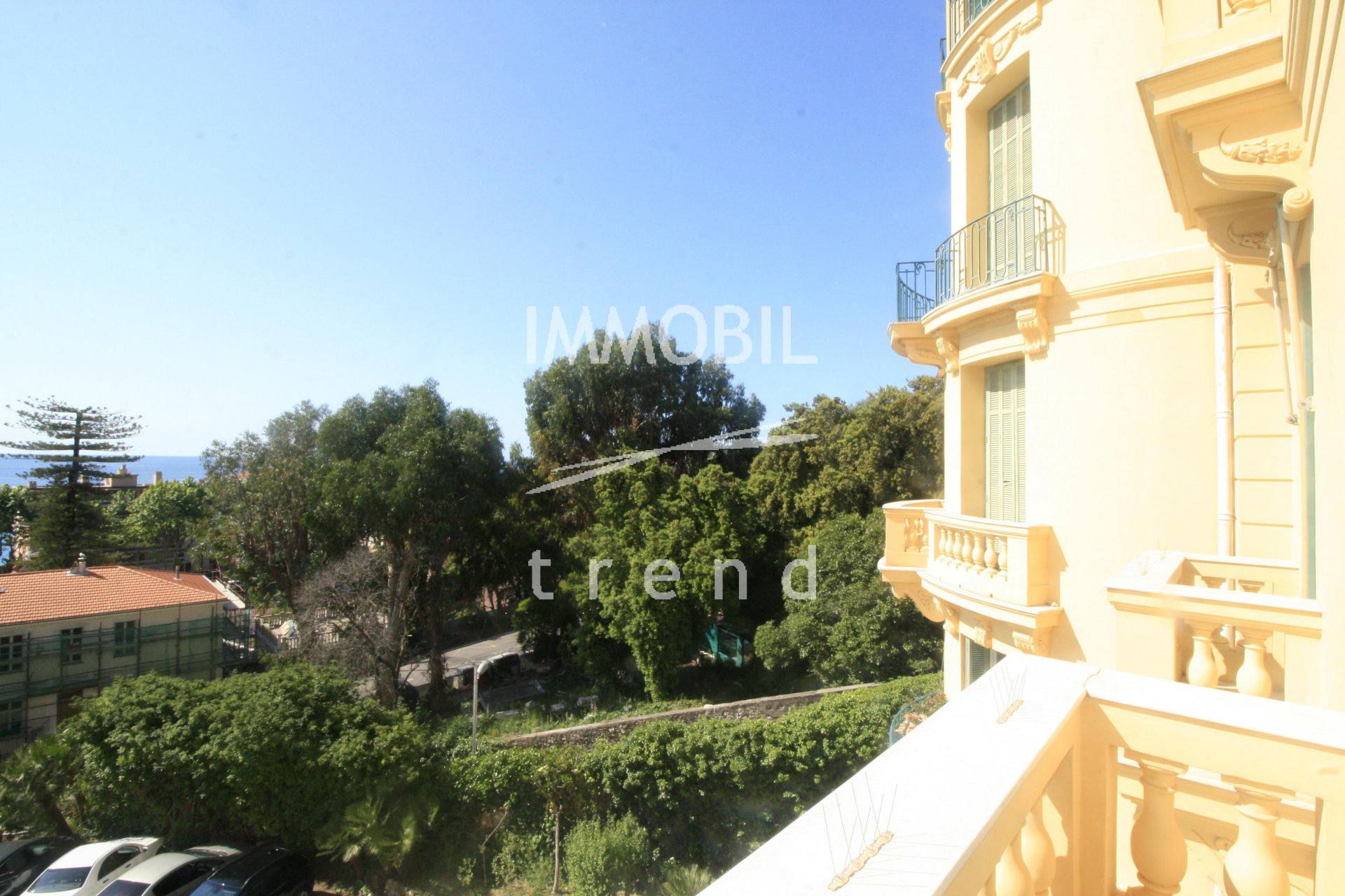 Menton - Large 2 Bedroom Bourgeois With Two Balconies With Sea View For Sale