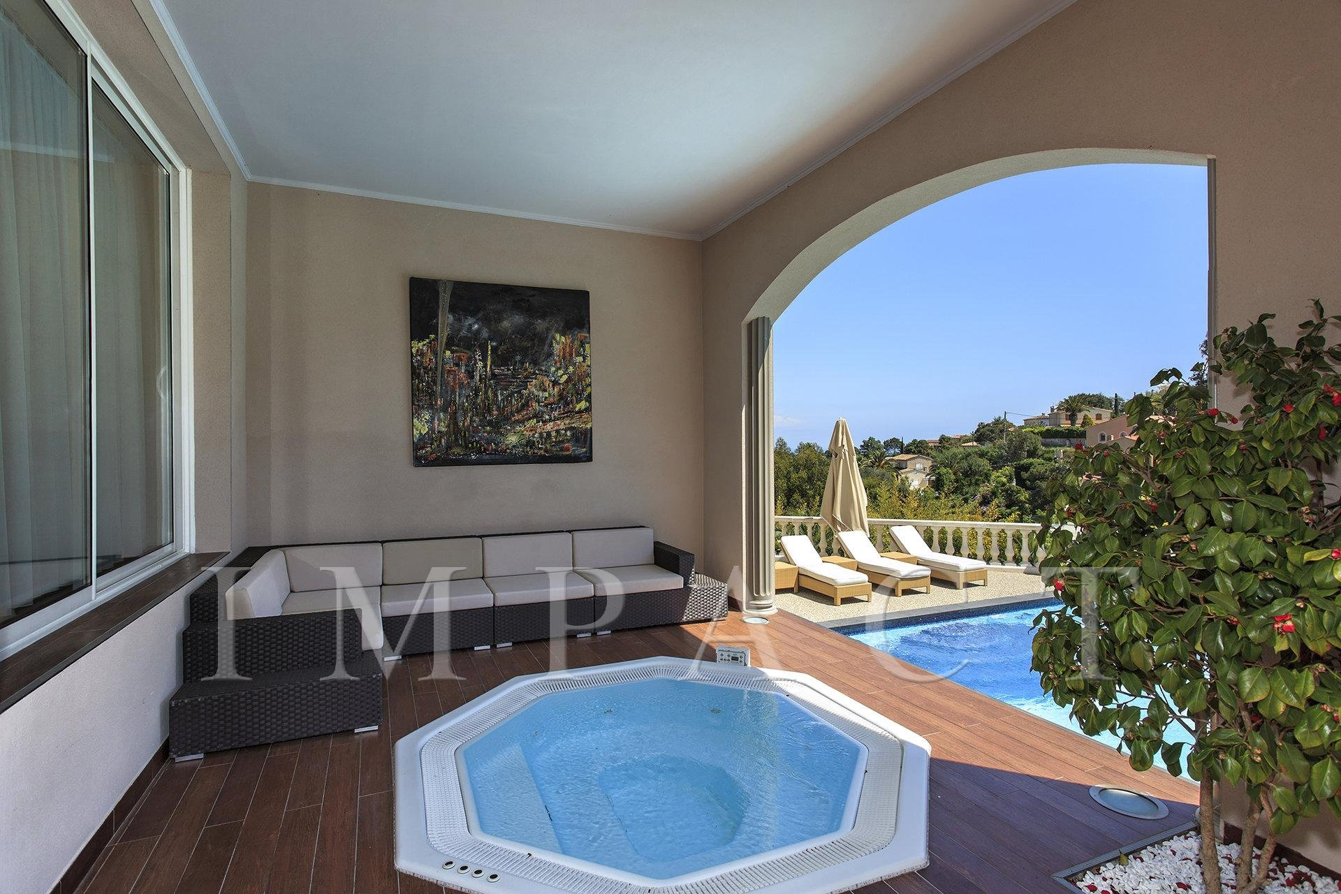Magnifique domaine privée de 20.000m² à louer - Super Cannes