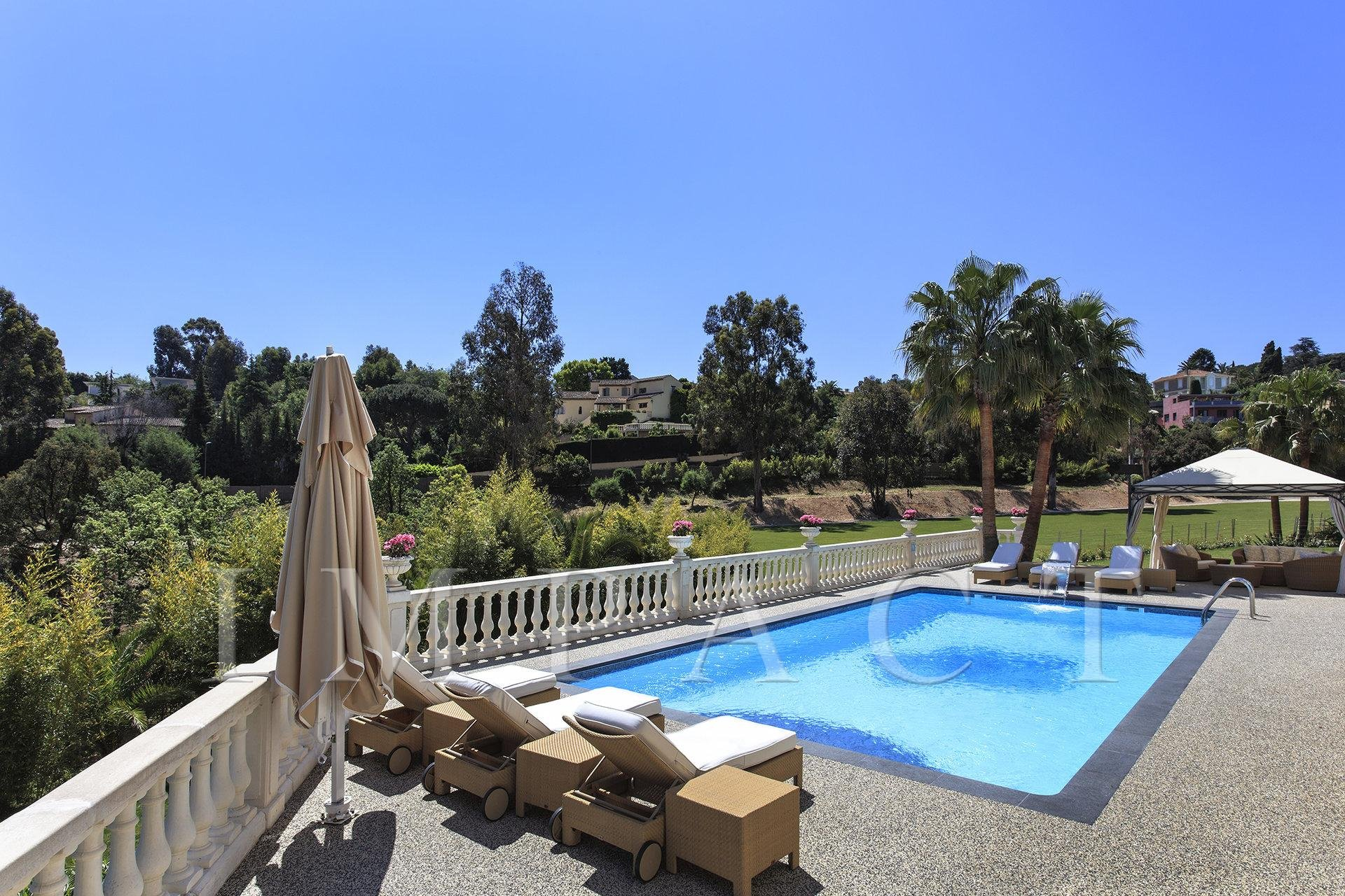 Magnificent private domain to rent of 20.000sqm - Super Cannes