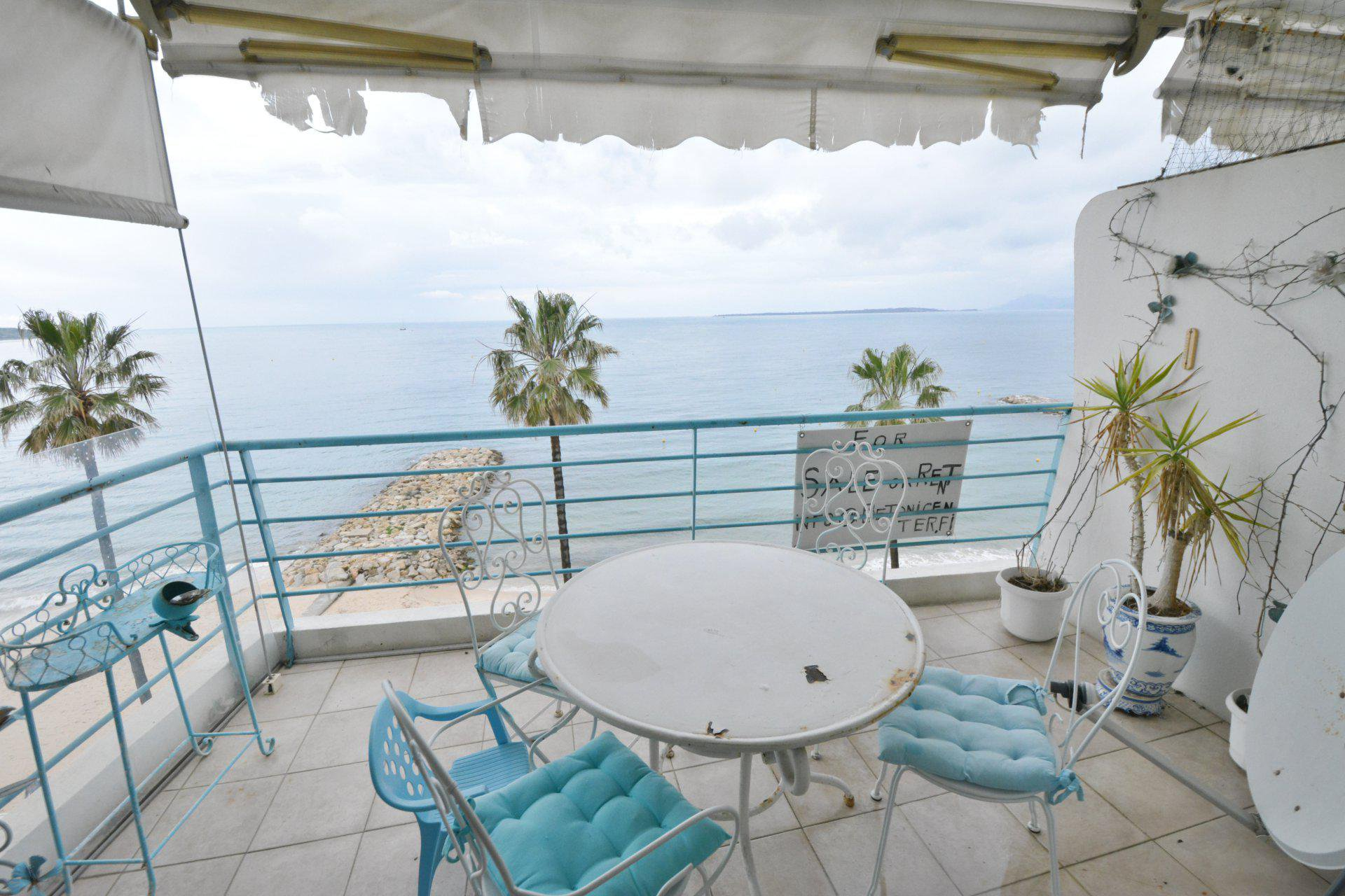 JUAN LES PINS - HIGH FLOOR APARTMENT - PANORAMIC SEAVIEW