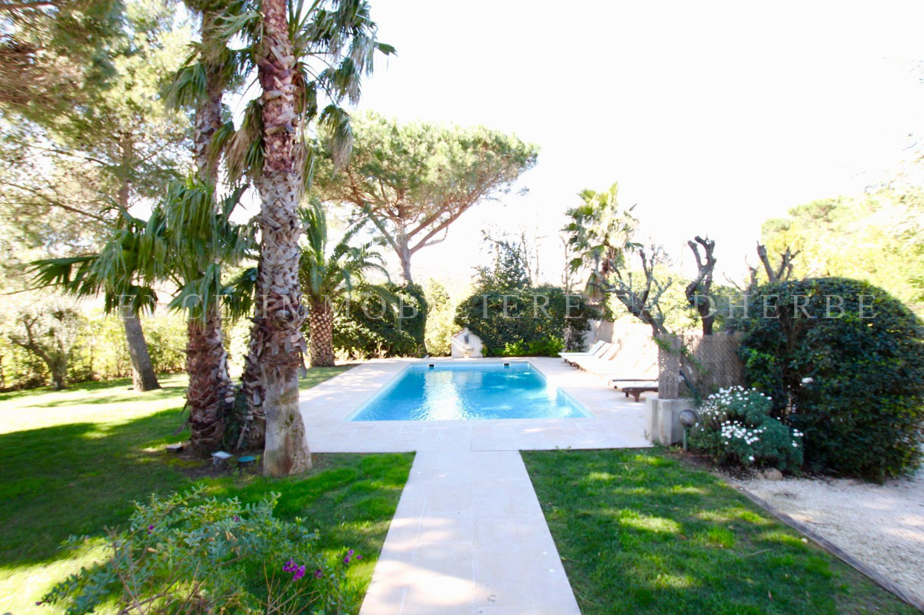 Area : route des Carles : Beautiful villa + annexe