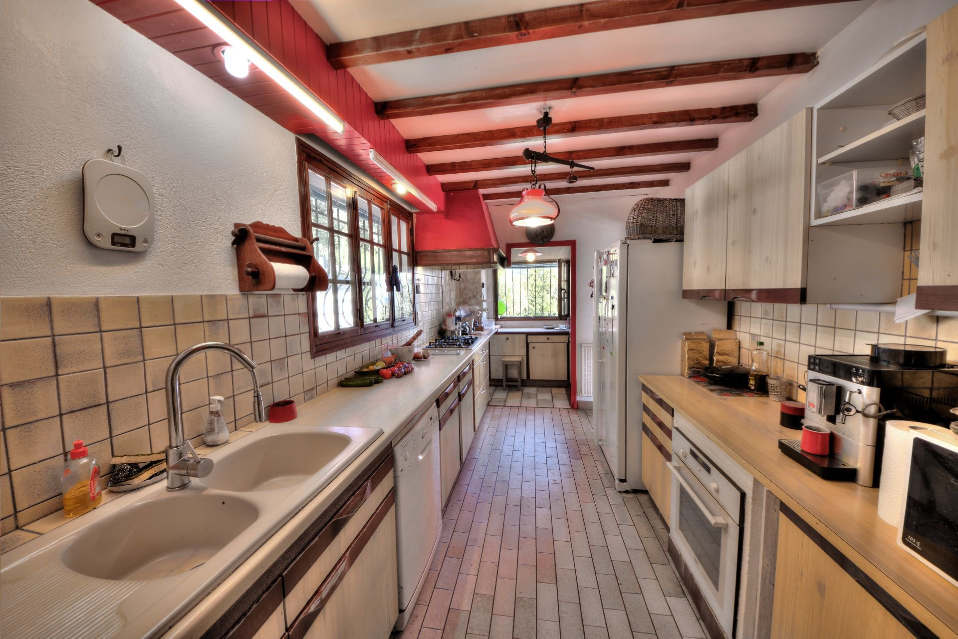 Kitchen of the villa 240 m² 4 apartments Lorgues, Provence, Paca