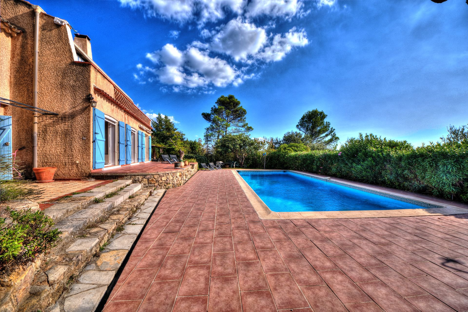 Outside the villa 240 m² 4 apartments Lorgues, Provence, Paca