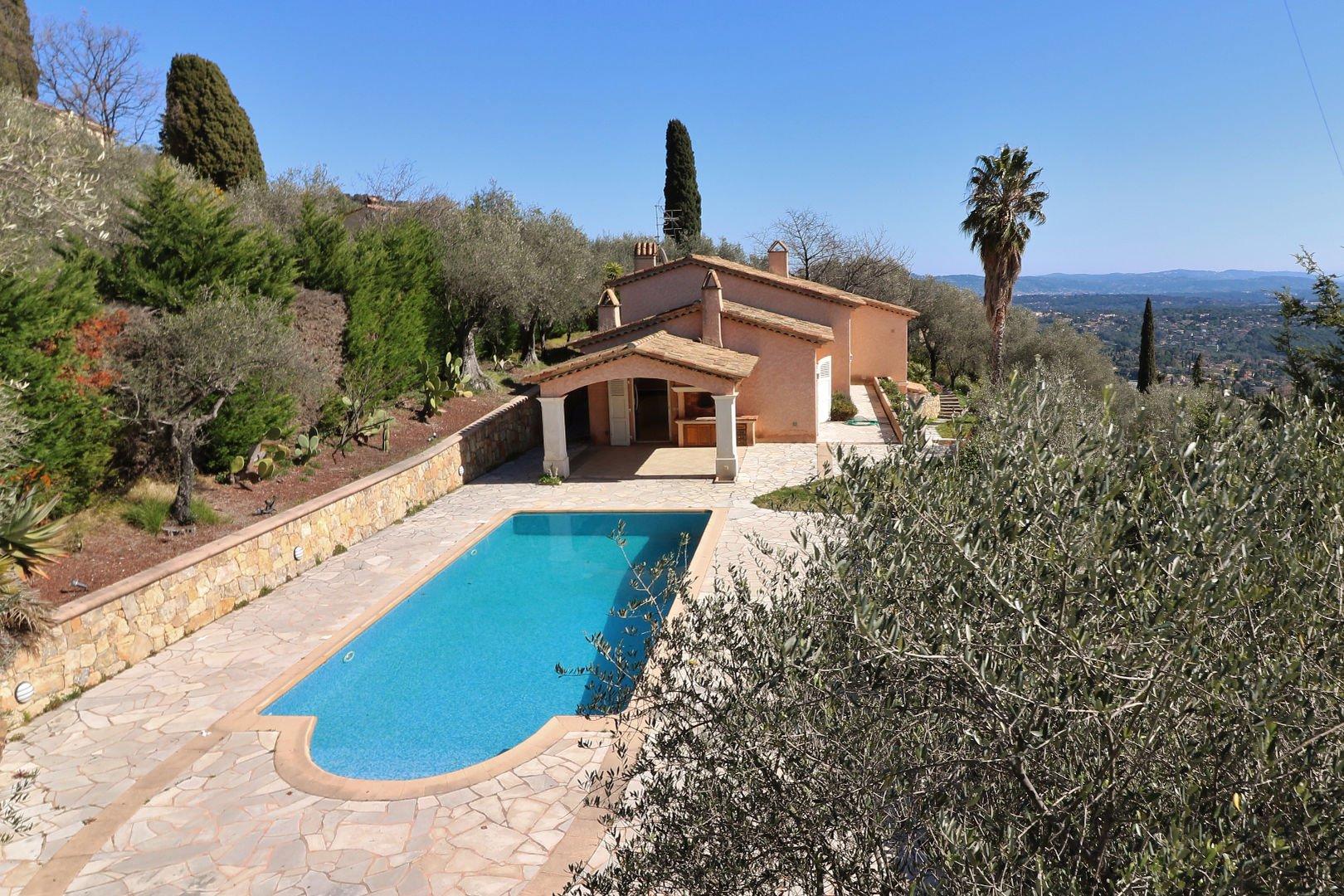 Cabris close to Grasse villa with sea view