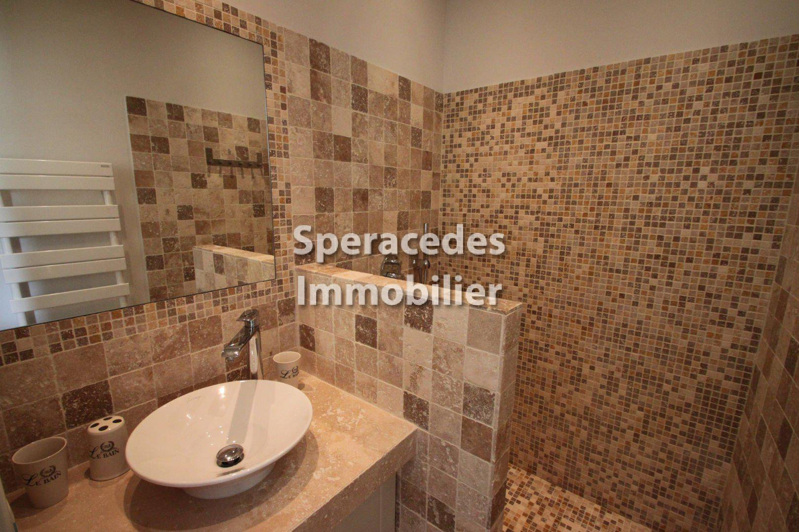 Speracedes - THIS PROPERTY WILL TAKE YOUR BREATH AWAY: with  around 50 m of facade facing towards the Mediterranean!