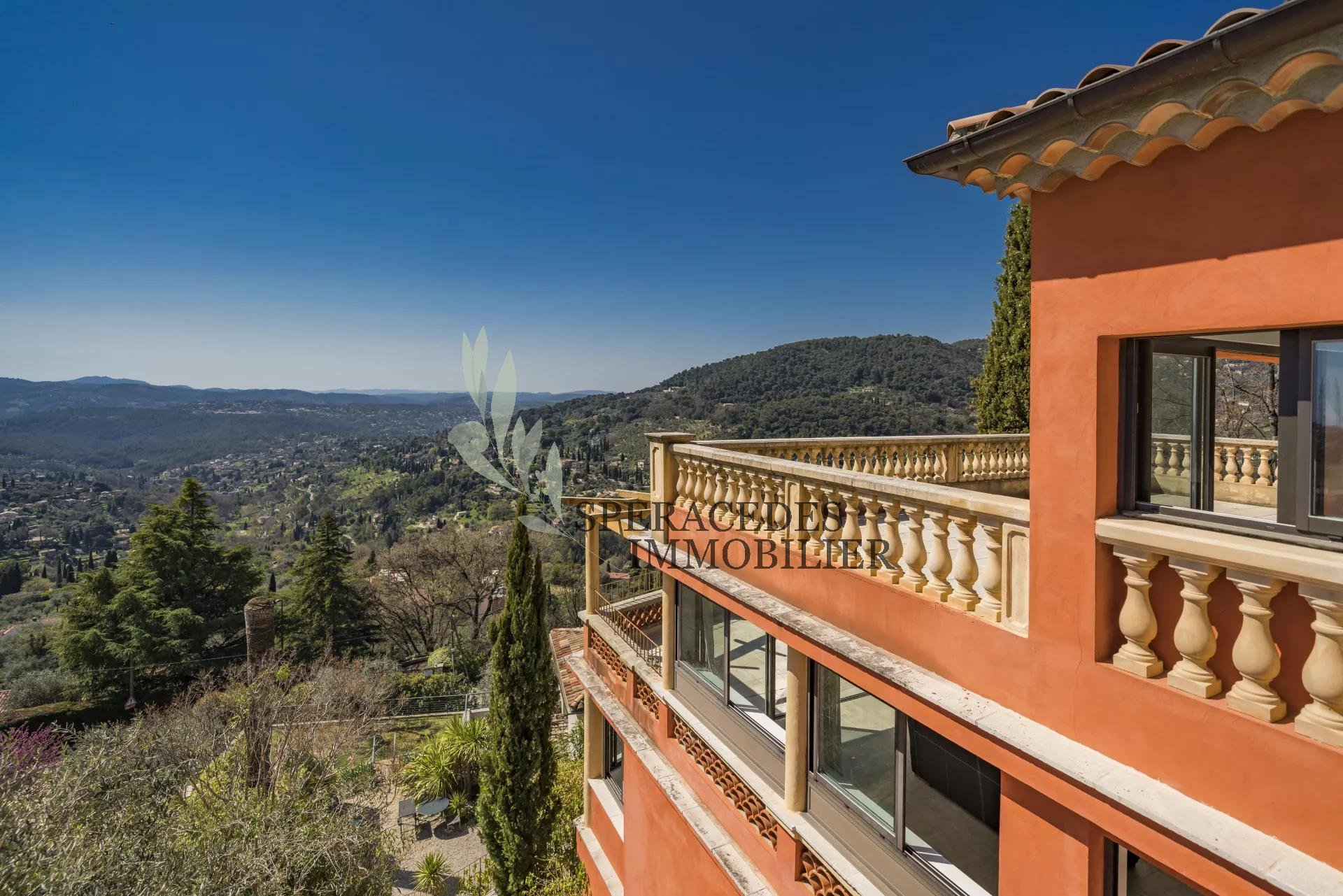 Grasse contemporary property with panoramic sea view