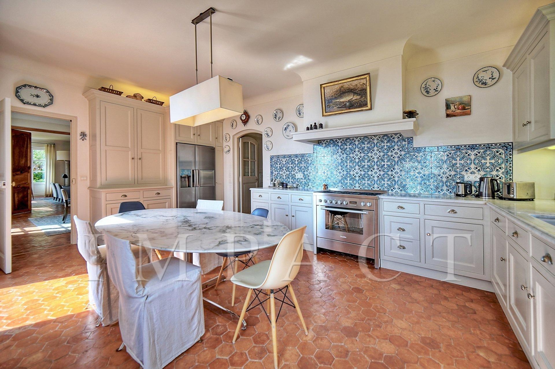 Provencal villa to rent, Cannes, Croix Des Gardes
