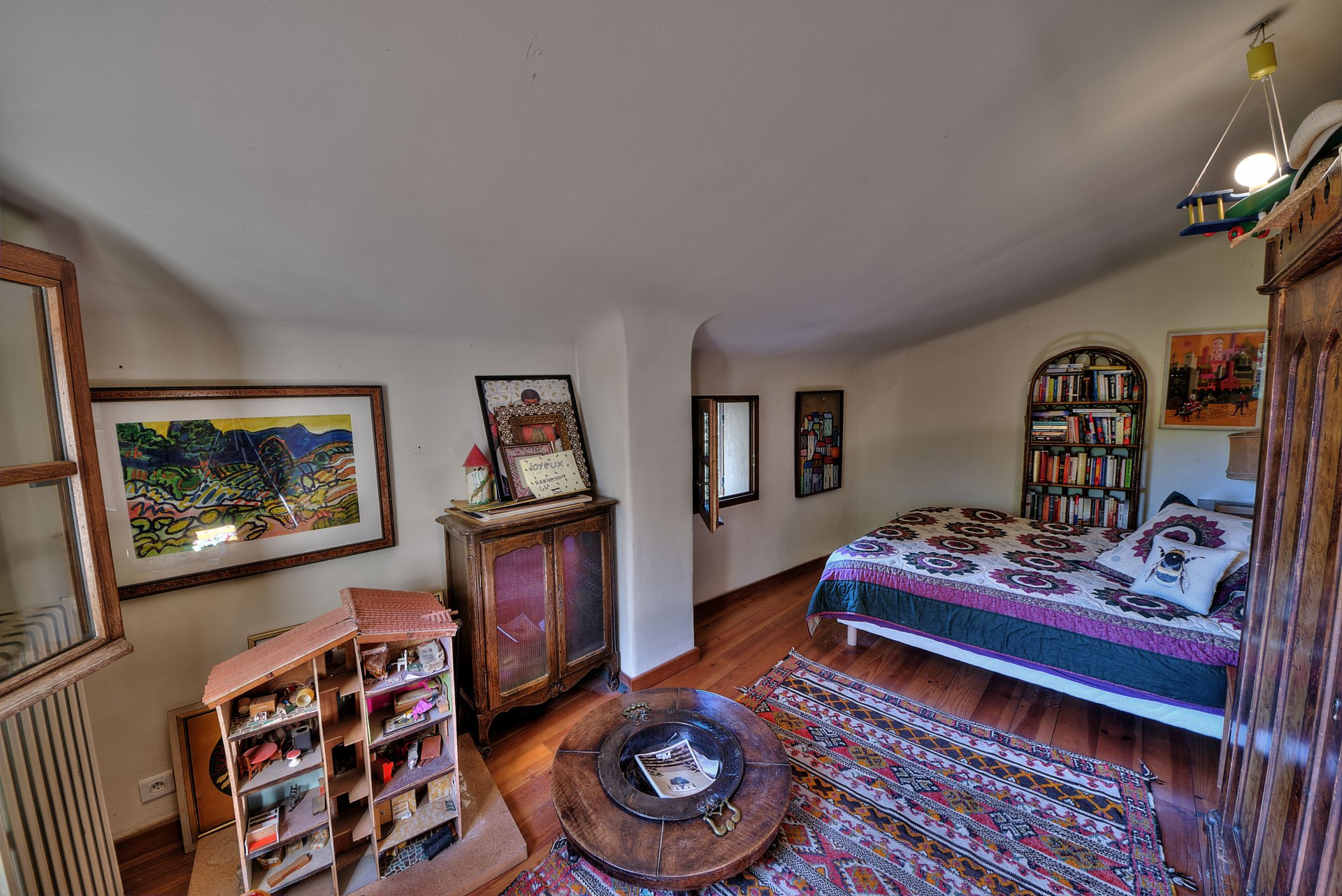 Chambre 1 de la propriété en  pierre de 35 ha haut Var Verdon