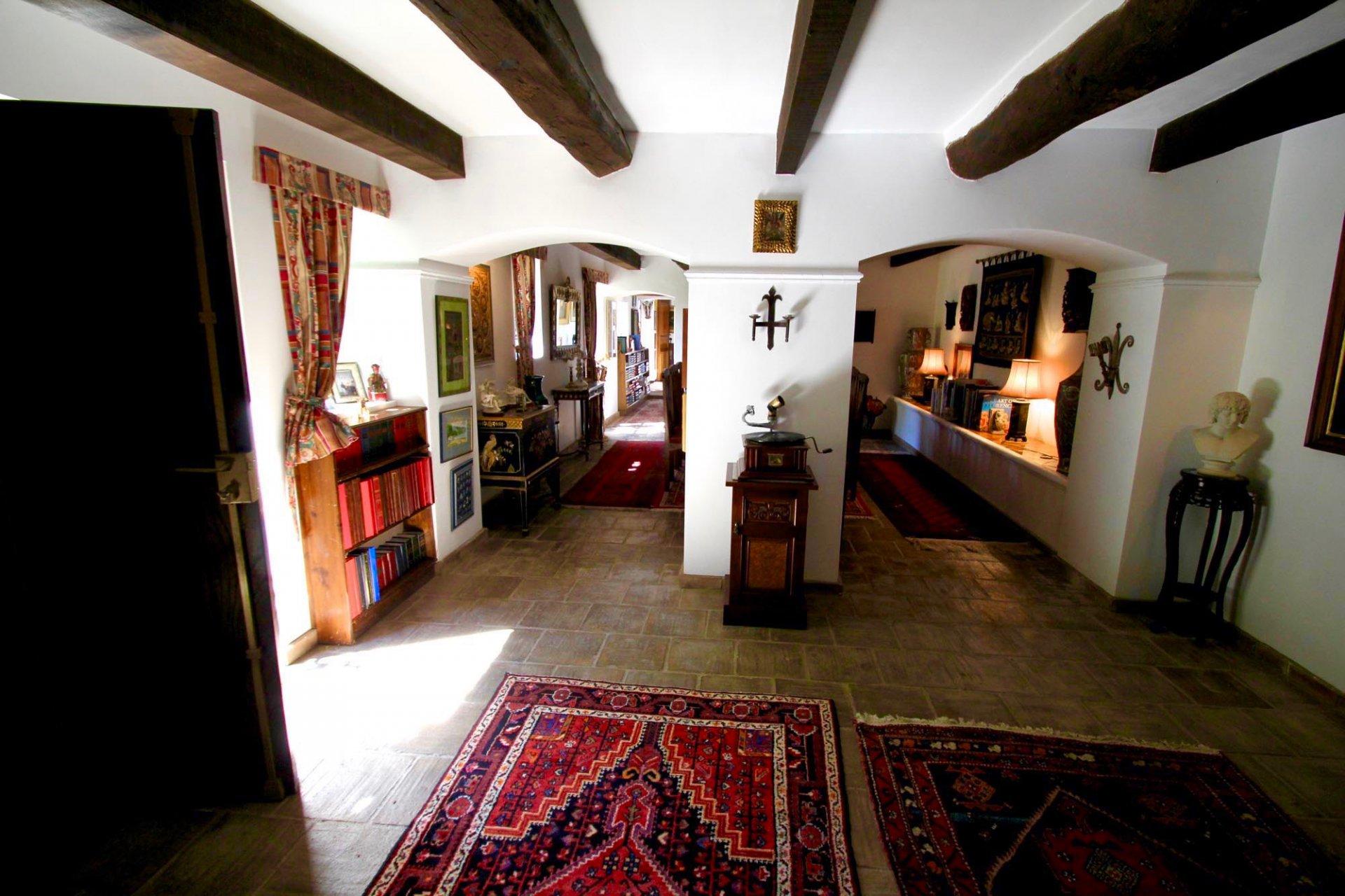 Grand propriété de XVIe siècle au centre ville.