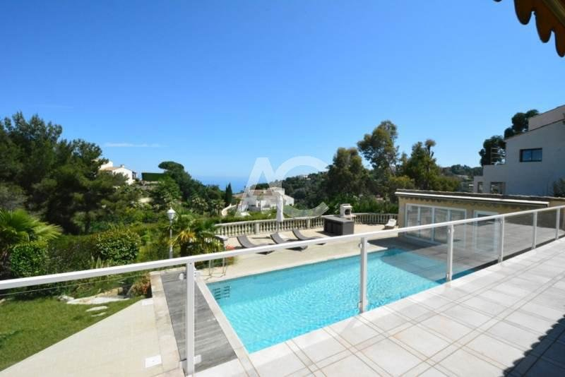Magnificent  villa with sea views - Gated domain