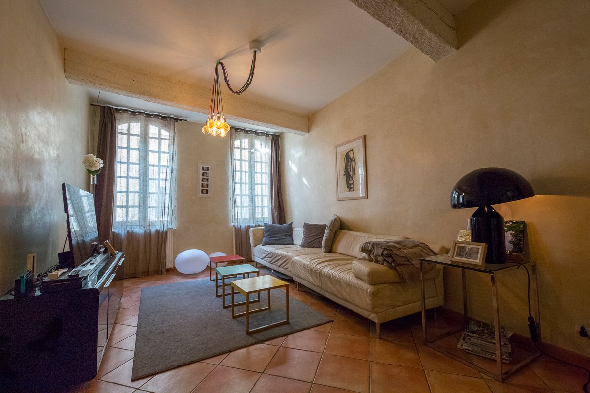 4 bedroom townhouse for sale in historic district - Arles