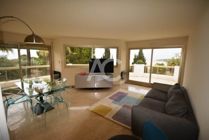 2 bedroom apartment - Top floor - Swimming pool - Sea views