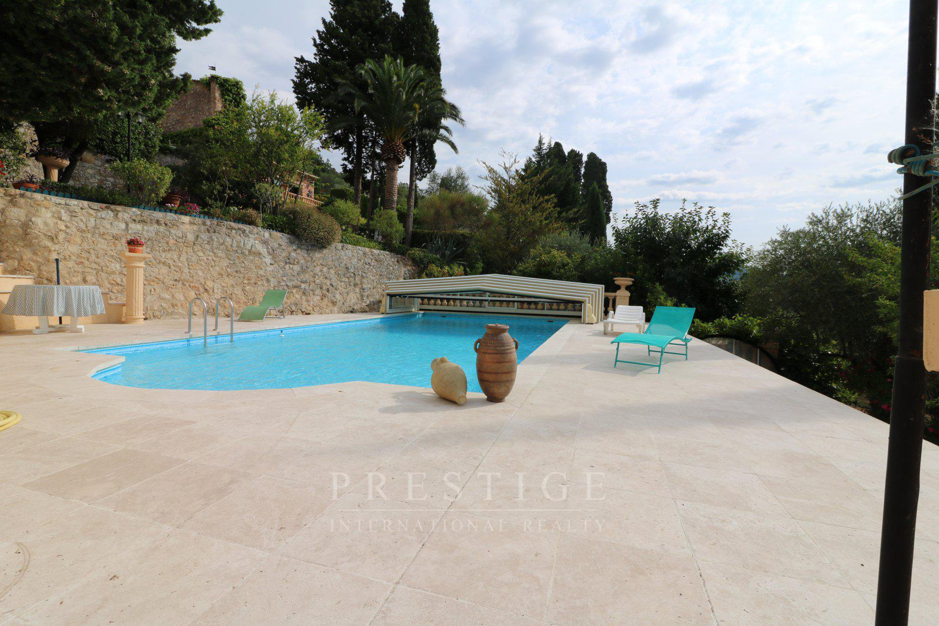 House 400 sqm in Speracedes