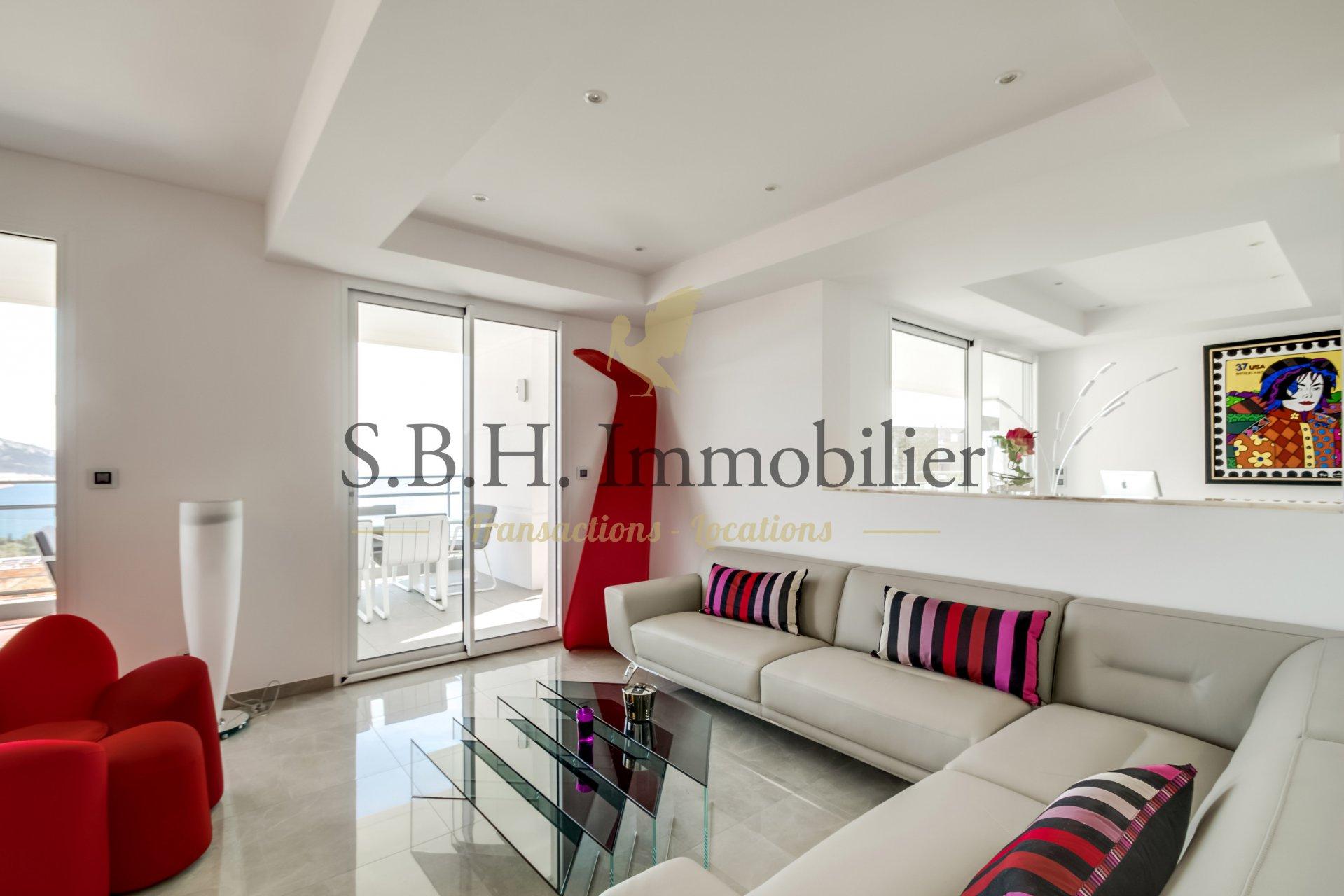 Appartement contemporain dans résidence de prestige