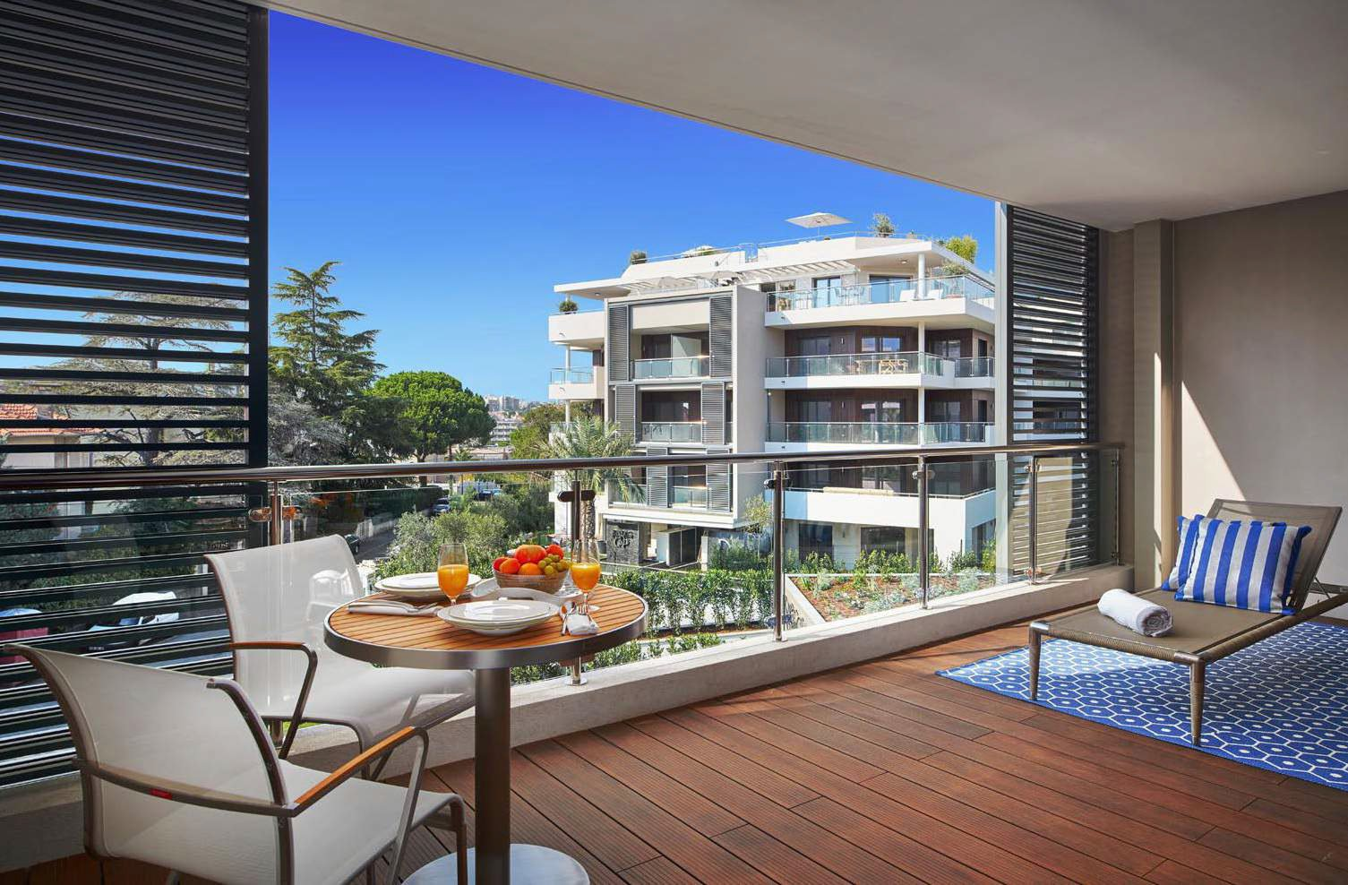 2 bedroom in new luxury residence - 5 minutes from the beach