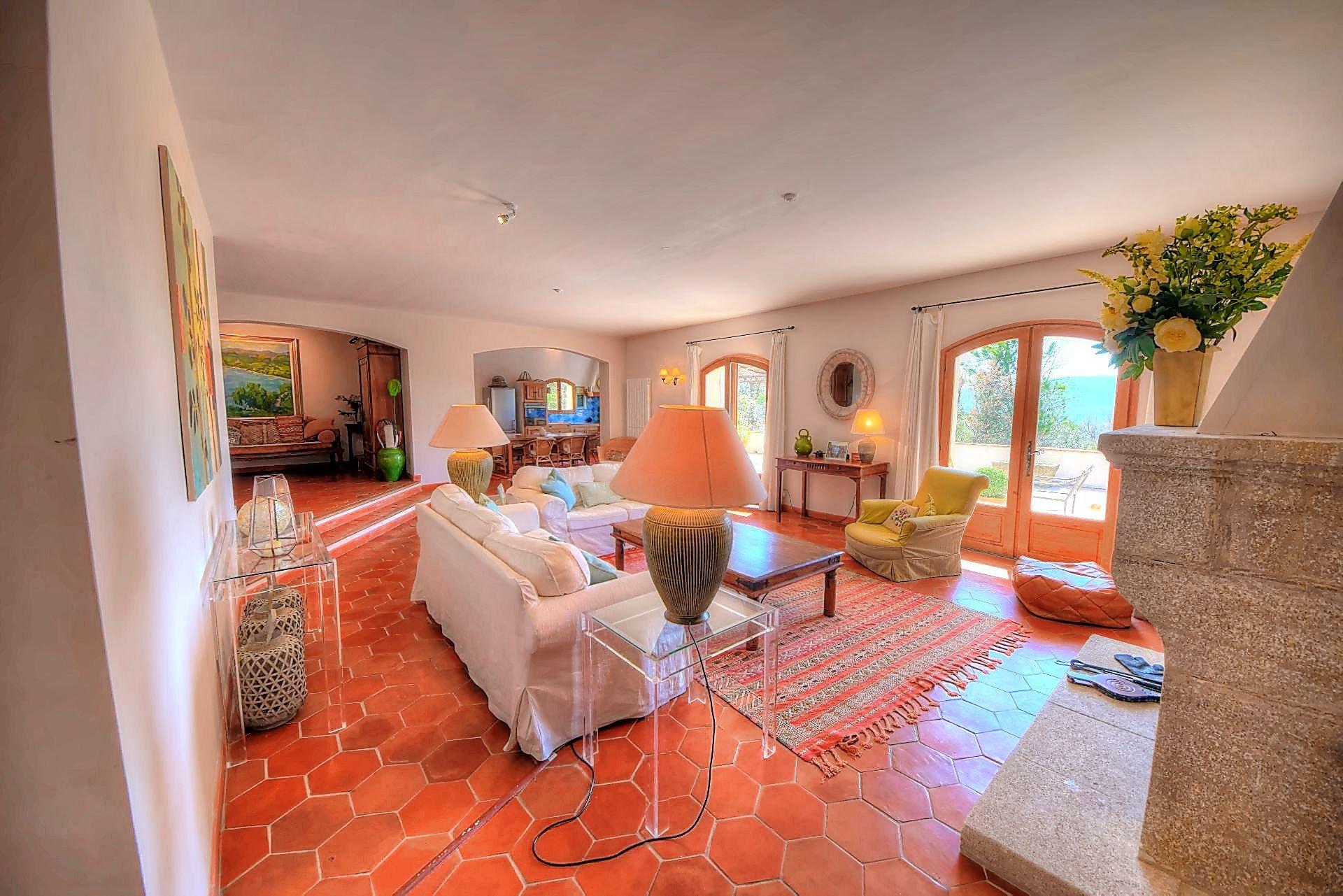 Confortable villa provençale dans un endroit isolé avec vue panoramique.en Campagne, Ampus, verdon, Var