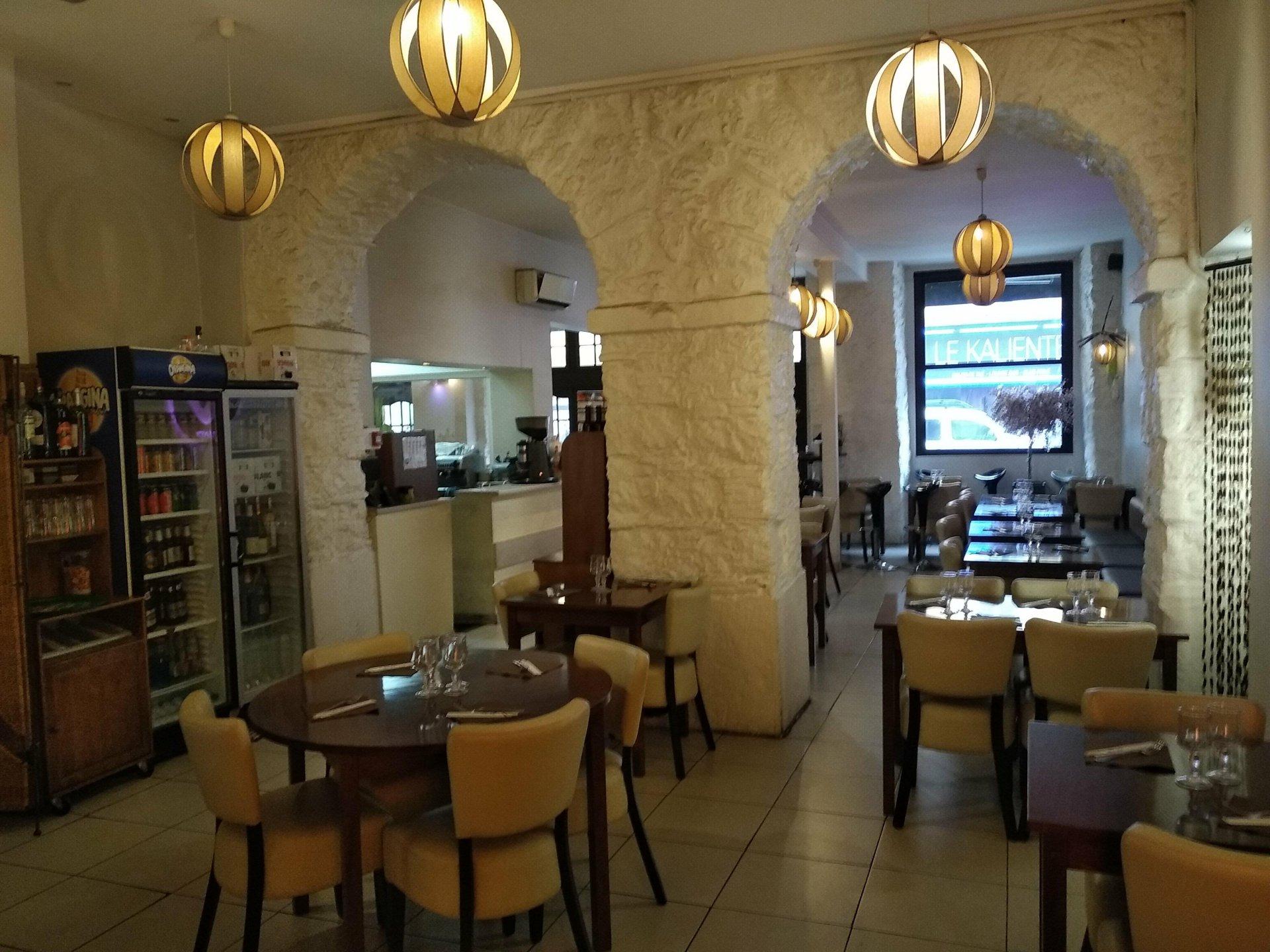 Restaurant, Place Garibaldi, Place du Pin