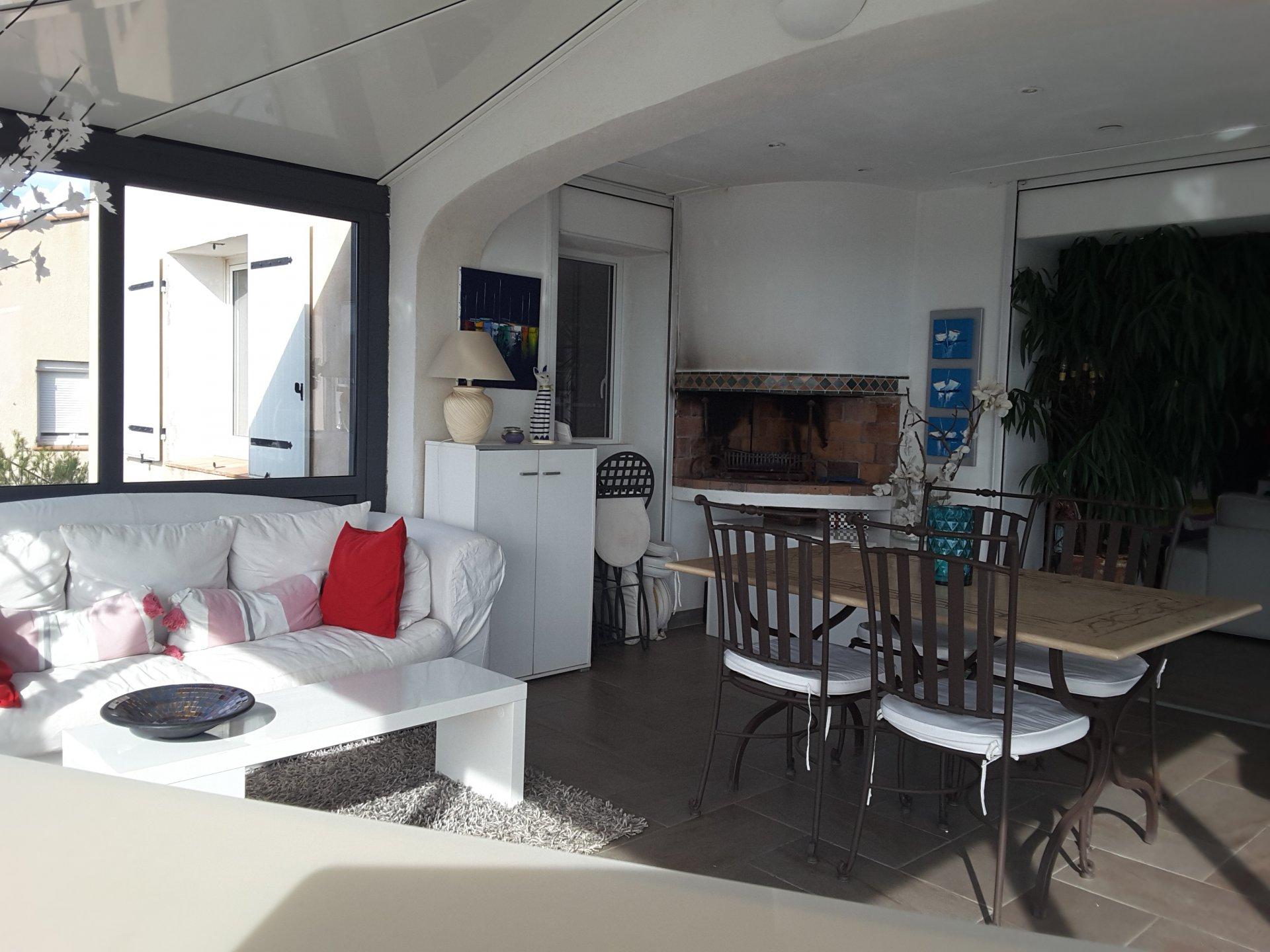BANDOL VENTE VILLA DE CARACTERE 250 m² VUE MER