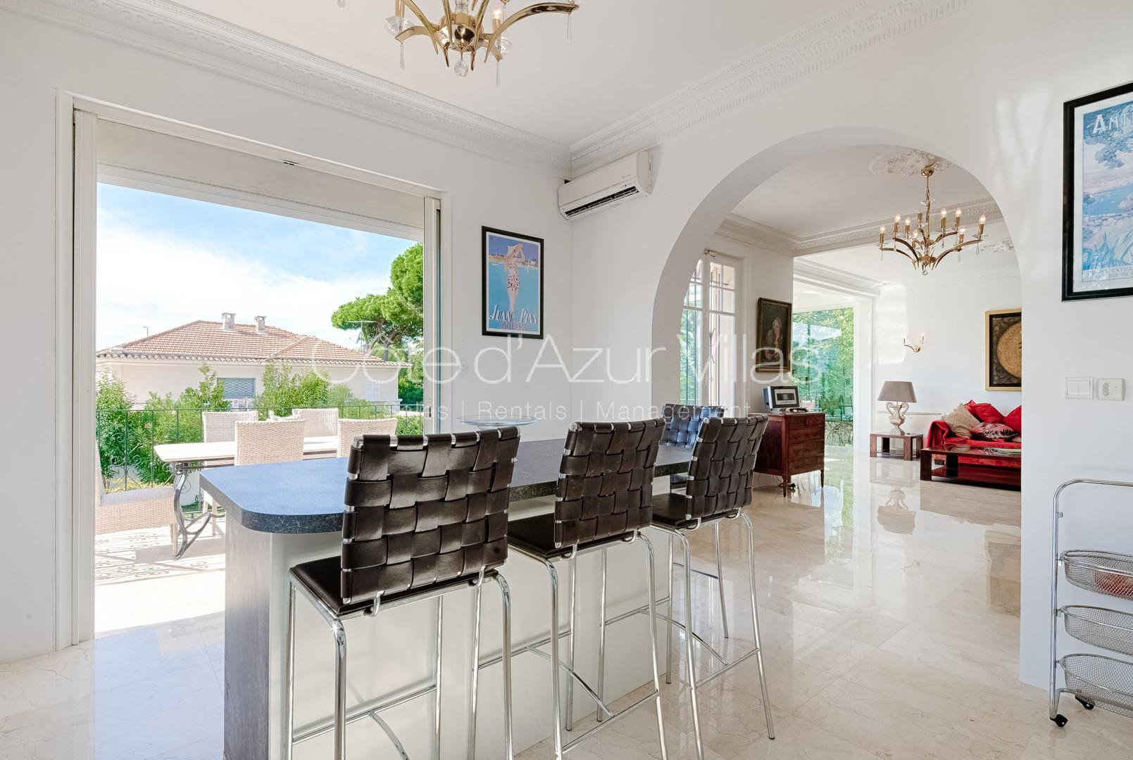Cap d'Antibes - Stylish Villa, Walking Distance to the town and beach