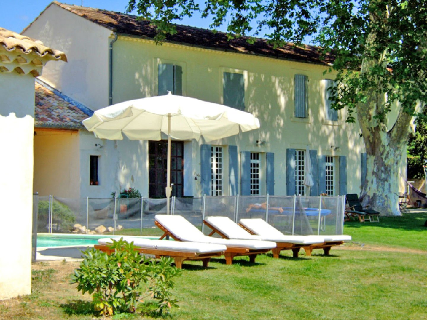 Old mas renovated near Isle sur la Sorgue