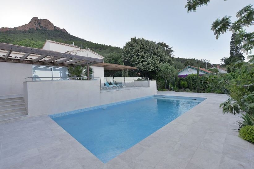 Wonderful Sea View, Spa, Sauna, Private Pool, Private Access to a Small Inlet to the sea