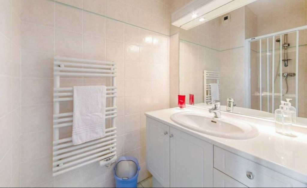 Cannes Plage – Appartement avec 3 chambres- Rue d'Antibes