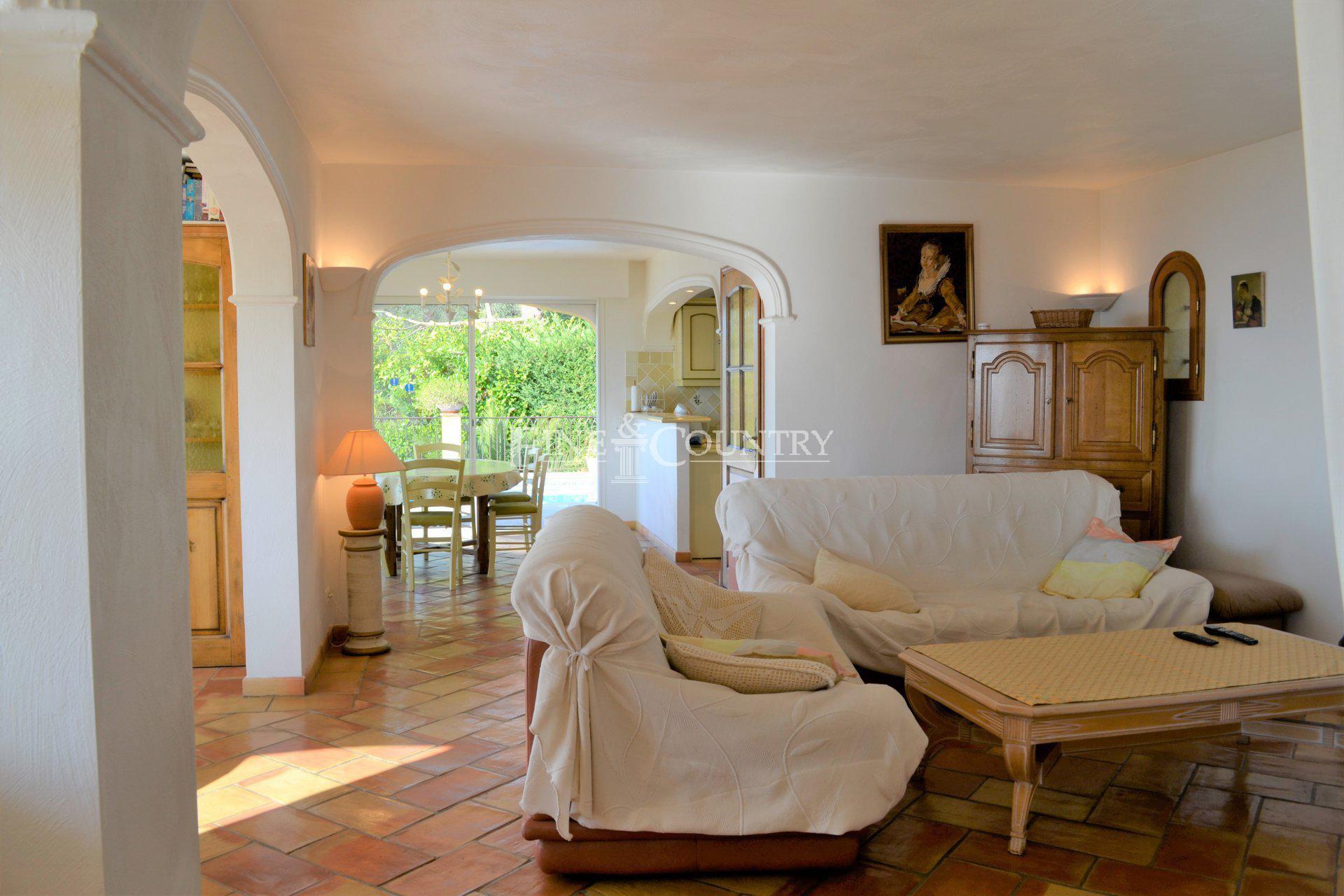 Living-room, heated floor