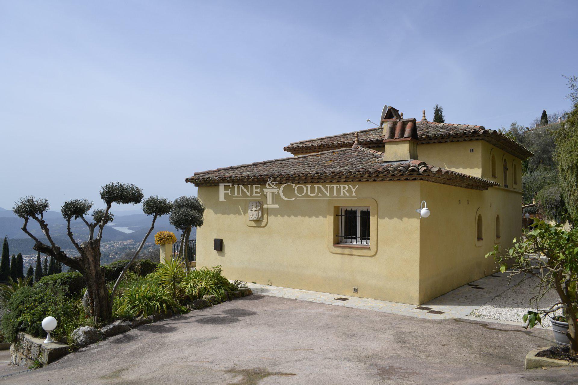 Villa for sale, close to Cabris, land 1850m2, 3 car shelters