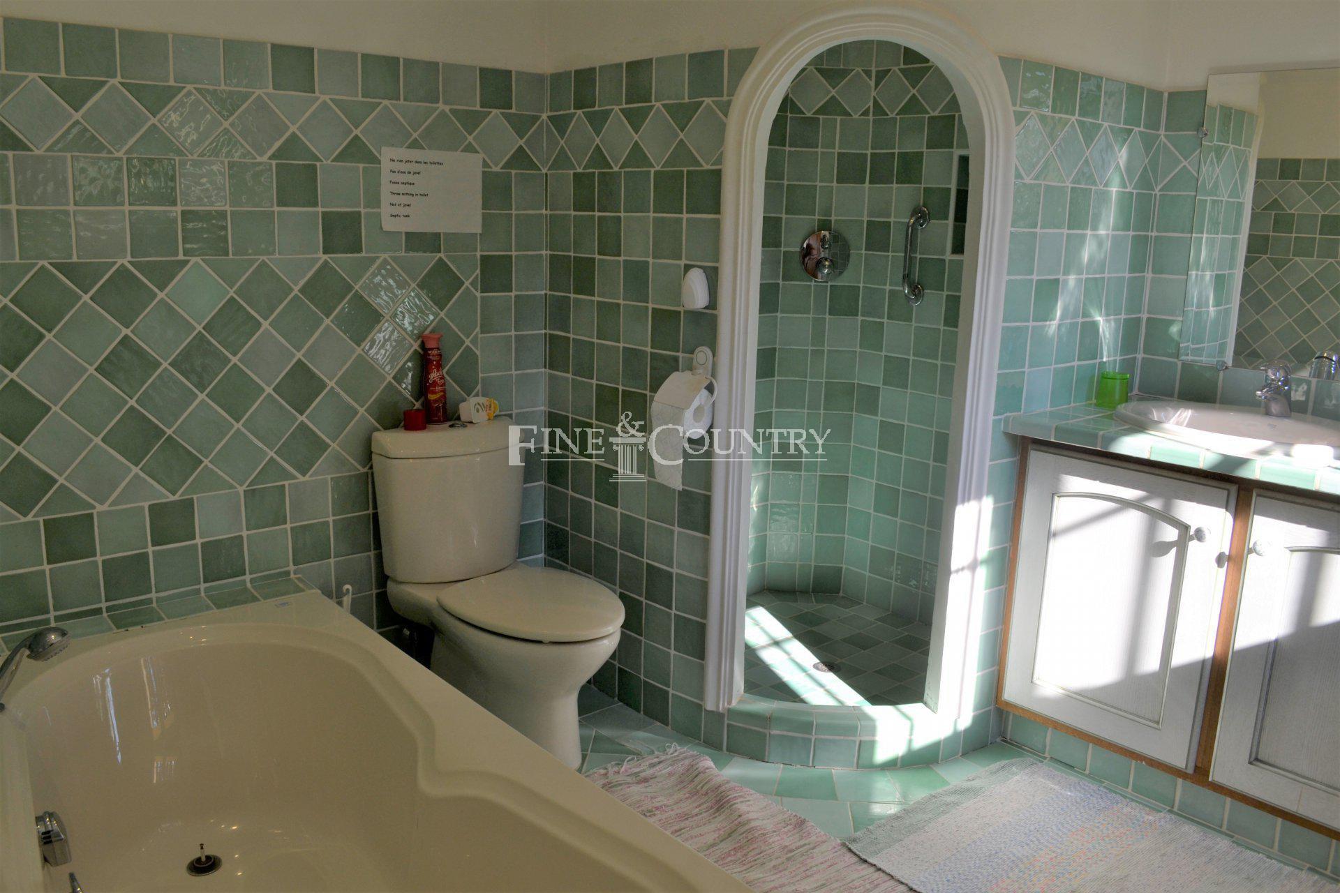 Bathroom, traditional tiles, heated floors