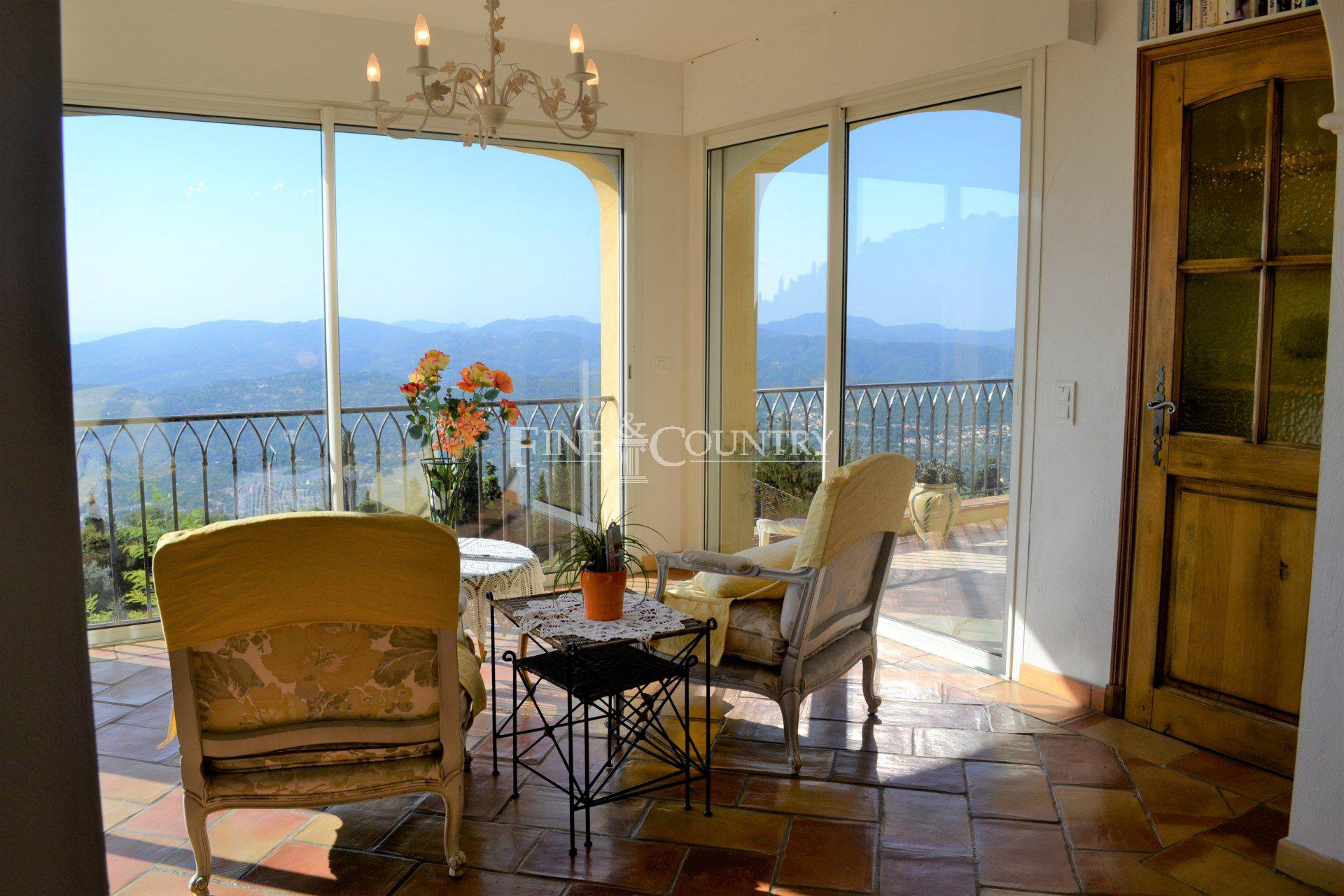 Living room, large windows, double glazing, panoramic sea and lake view