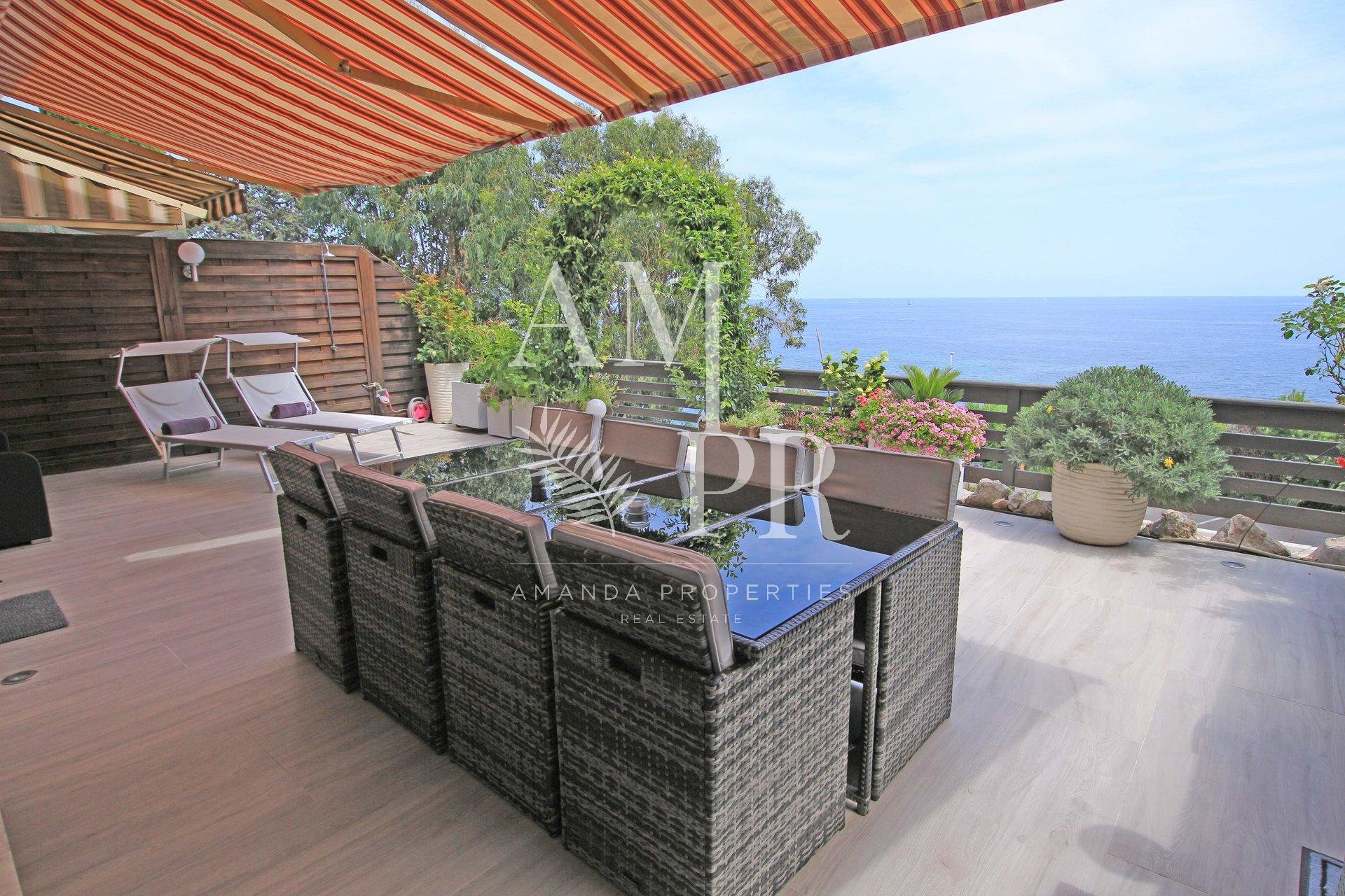 Sea view villa apartment
