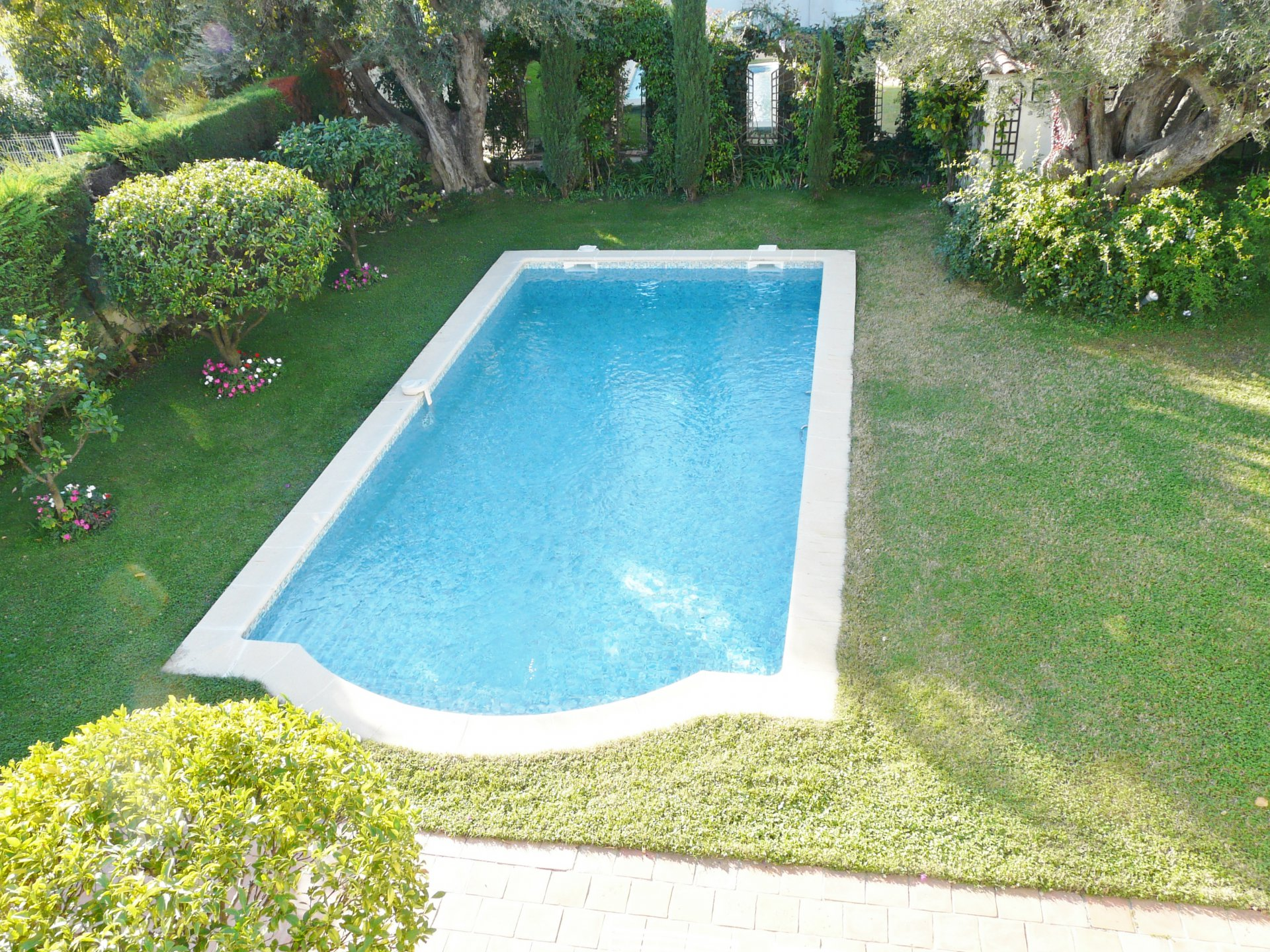 BEAUTIFUL CHARMING PROVENCAL VILLA AT 900 METERS FROM THE BEACH